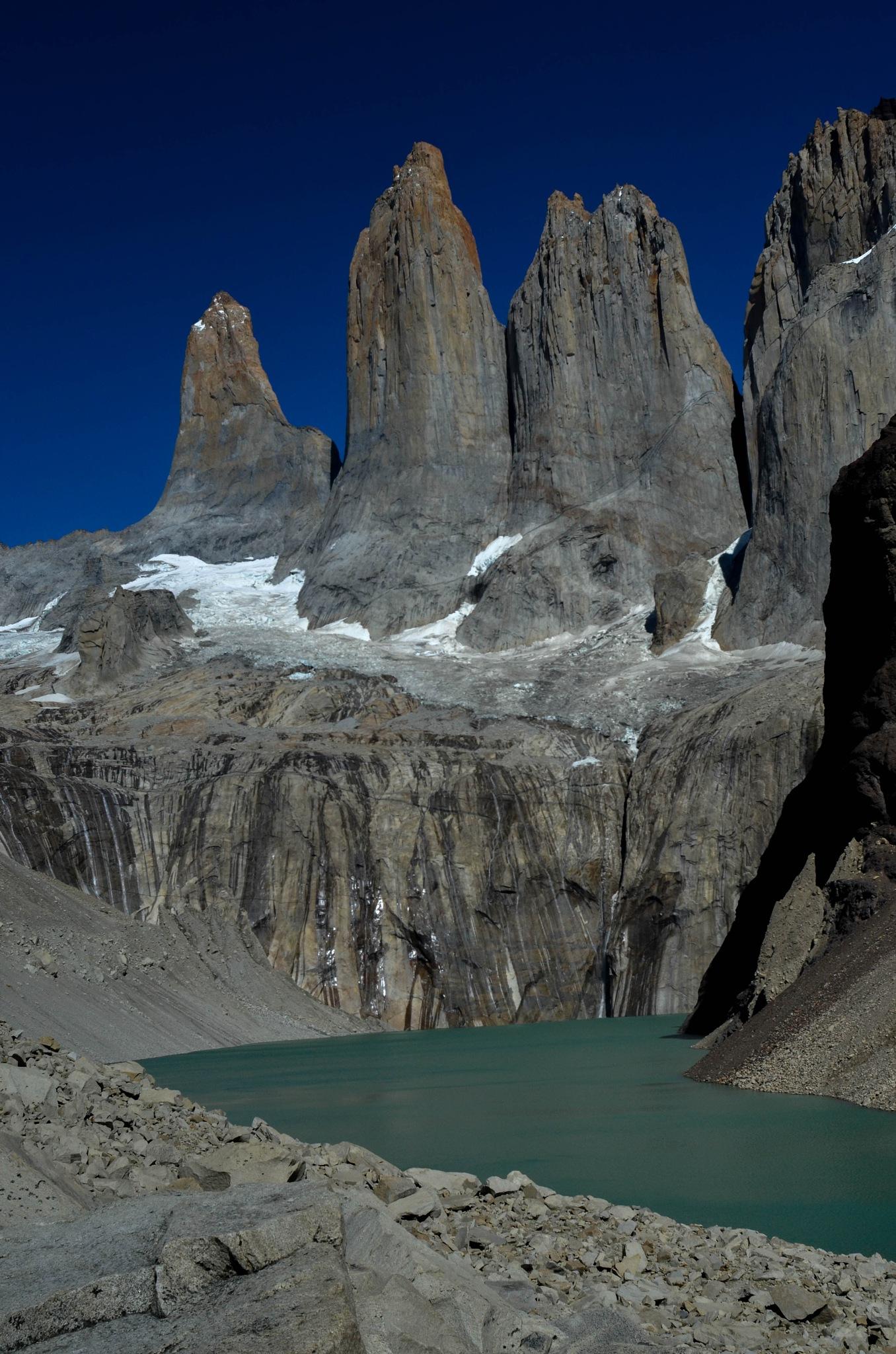 Torres del Paine by Nicolás Gajardo Henríquez