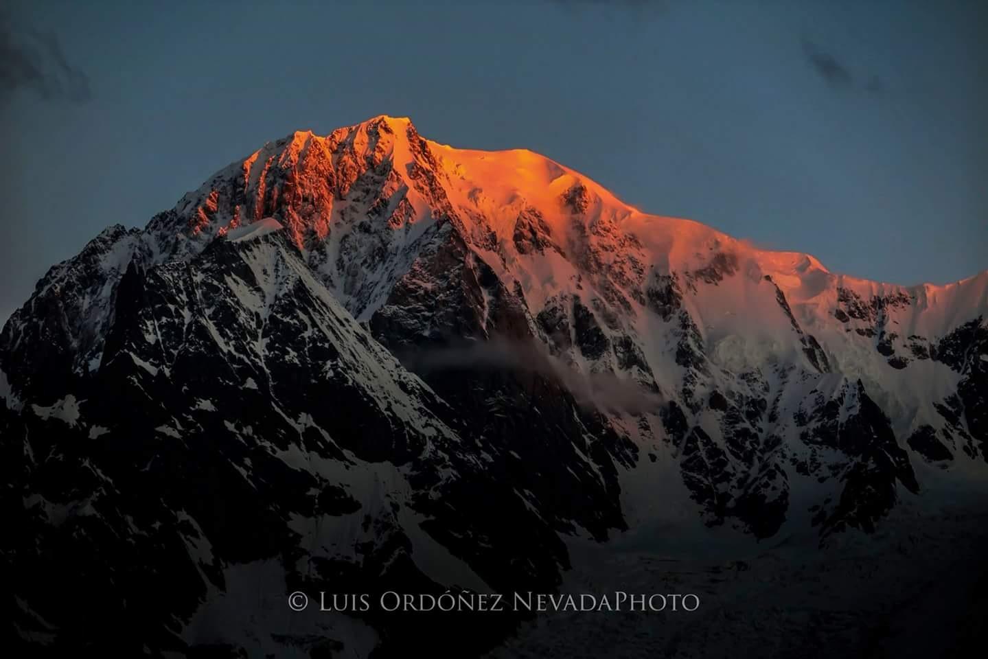 Mont Blanc by Luis Ordóñez