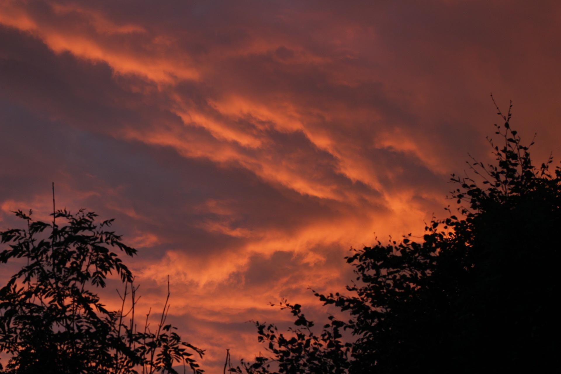 burning sky by Tidelev78