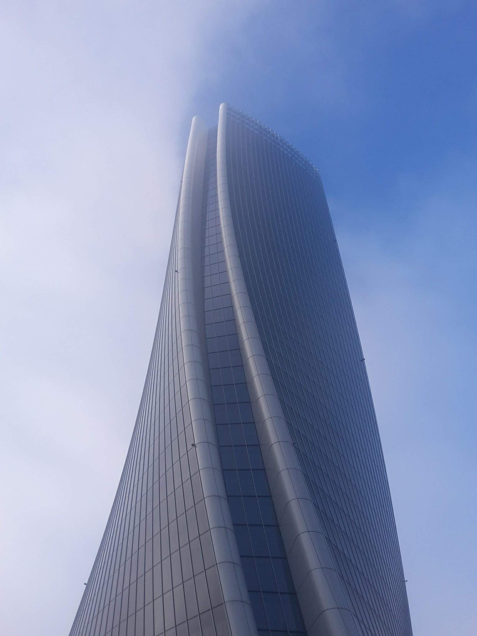 Milano_Zaha_City Life tower by Jakub Masný