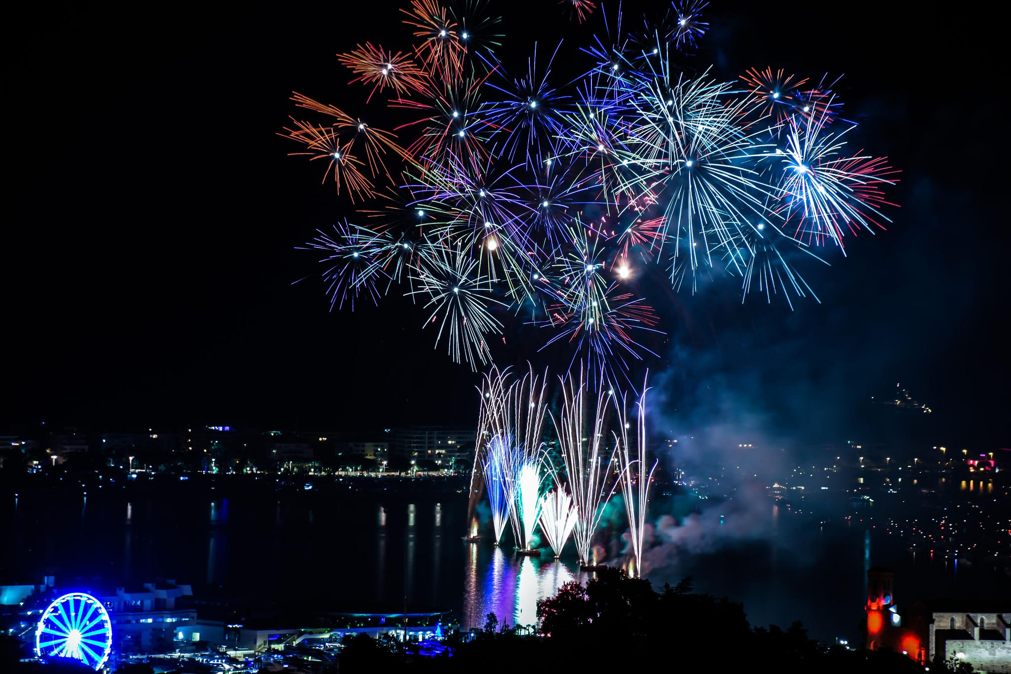 Fireworks Cannes by Juno-orbiter9