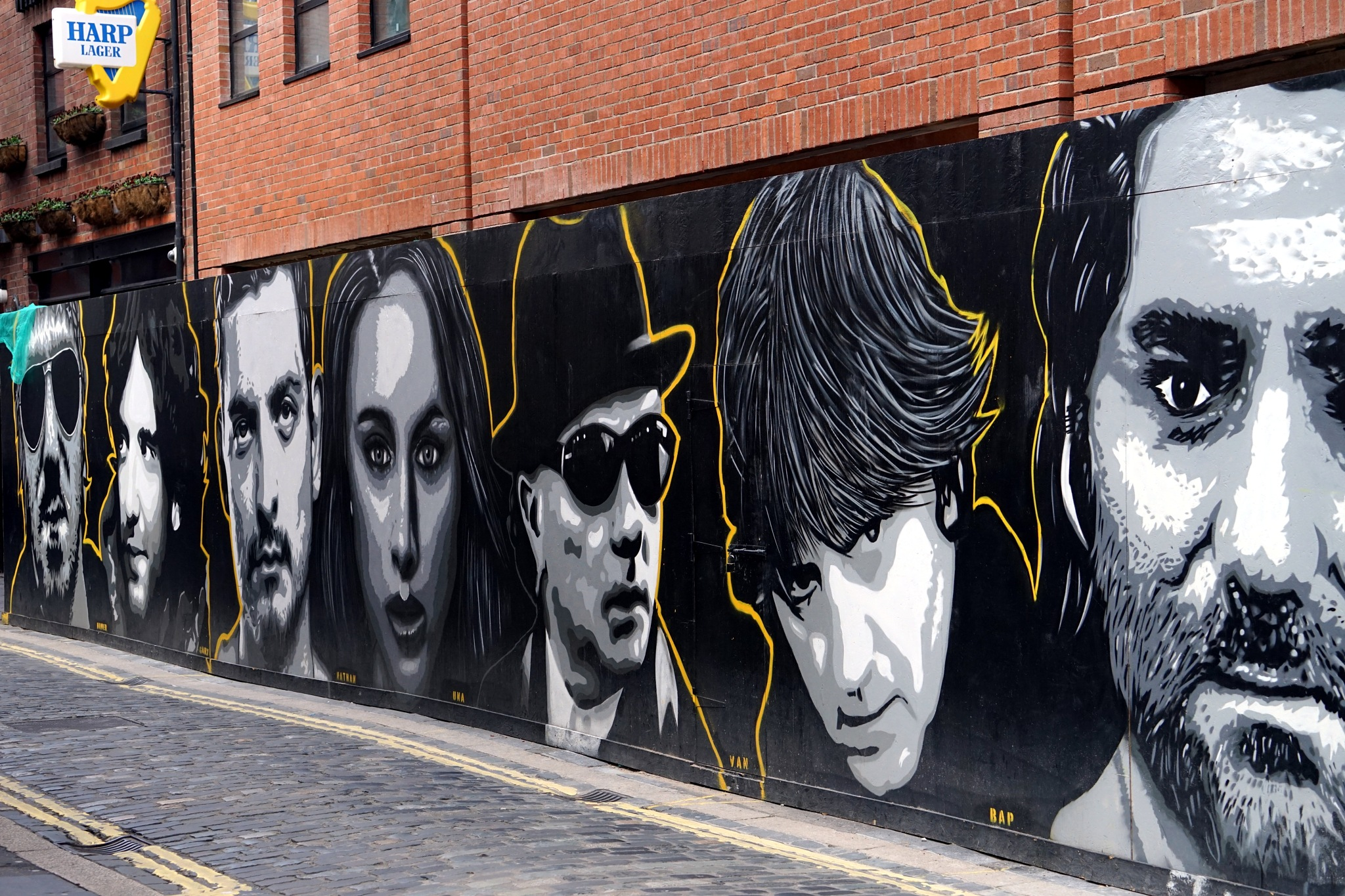 Giant mural featuring Irish Musiciens - Cathedral Quarter, Belfast by John Semple