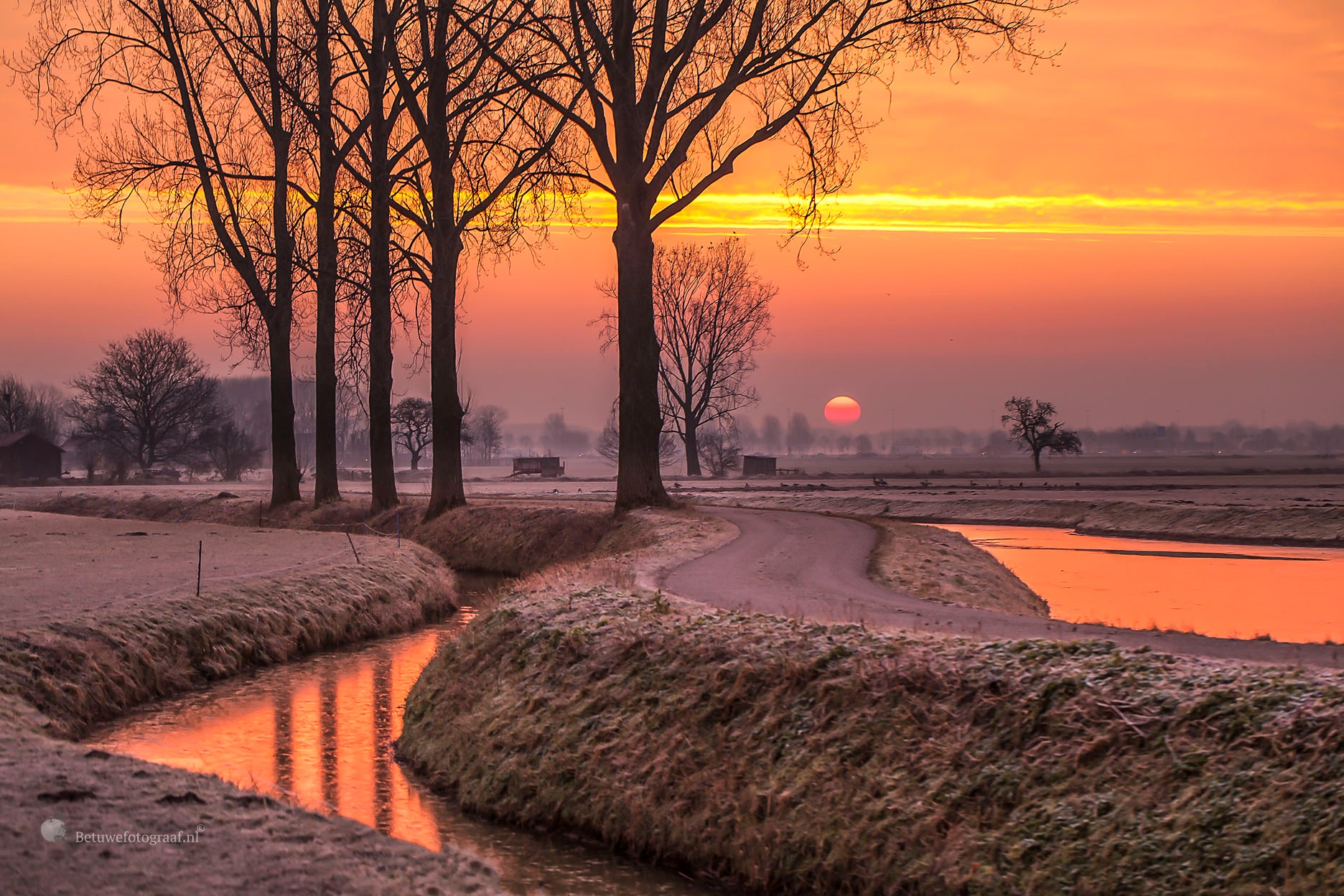 Cold and warm sunrise this morning by Betuwefotograaf