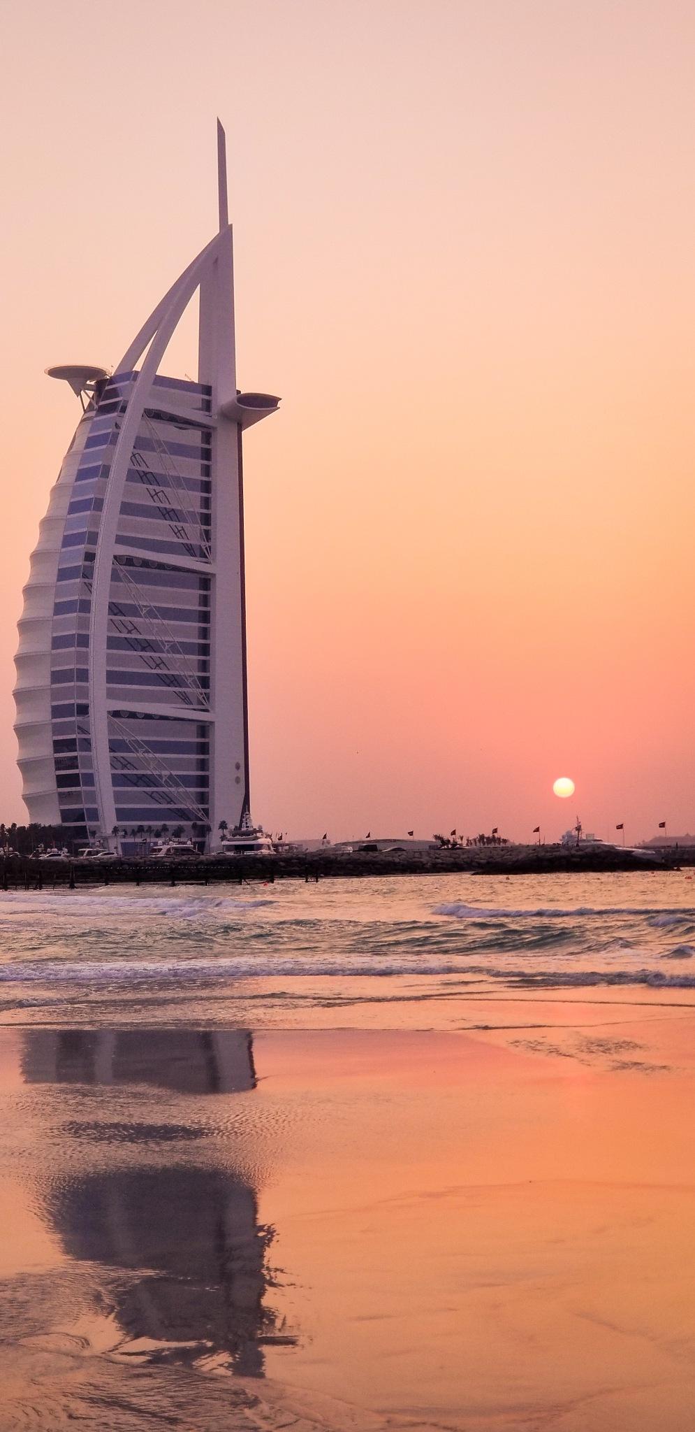 Dubai  by jossybtk