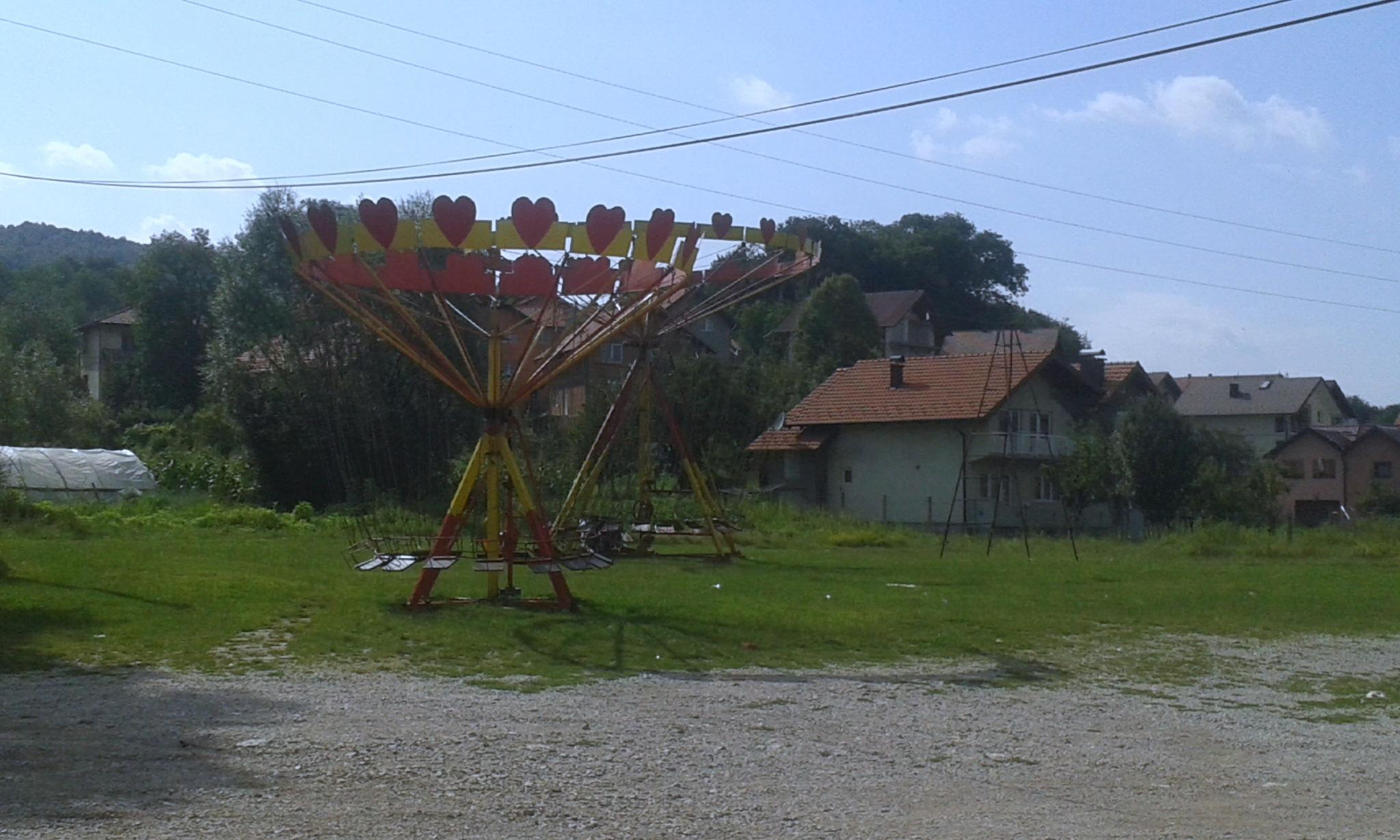 children's ringpot, roundabout by nerminalic87