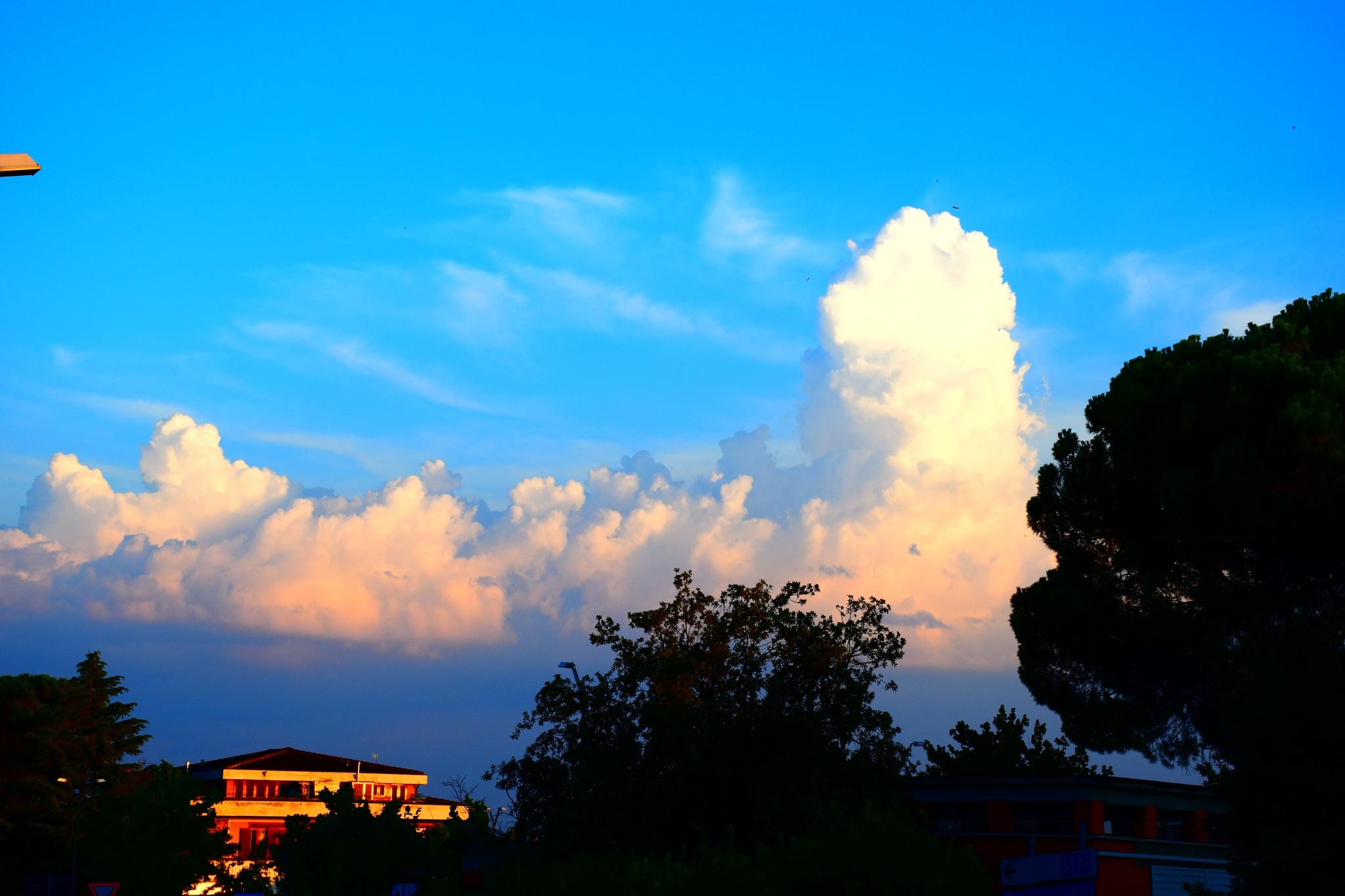 Nuvole al Tramonto by Andres Camilo Peragine