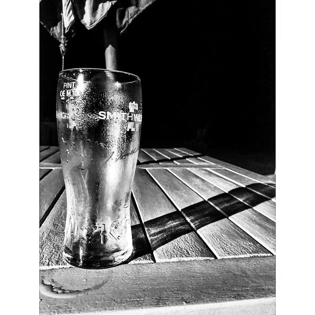 A pint of plain by Dermot Lynam