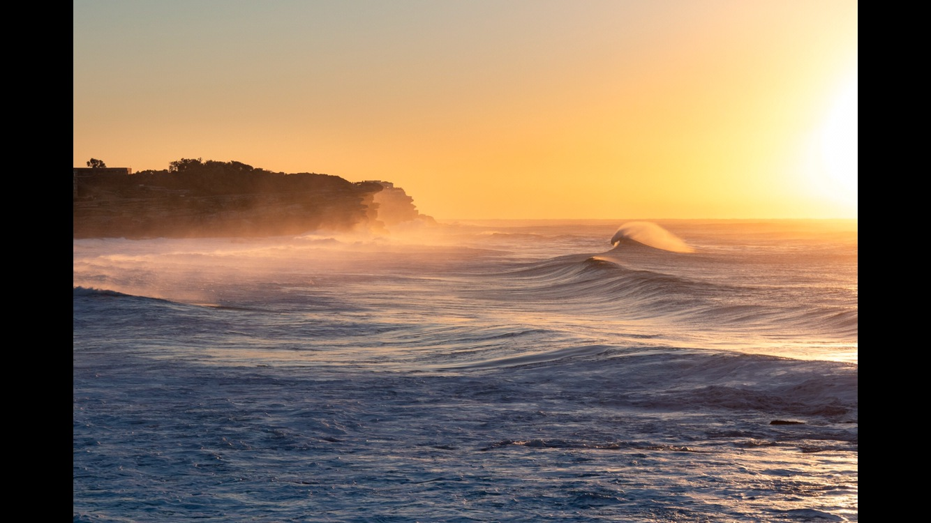 Winter swell  by Martin Pippen