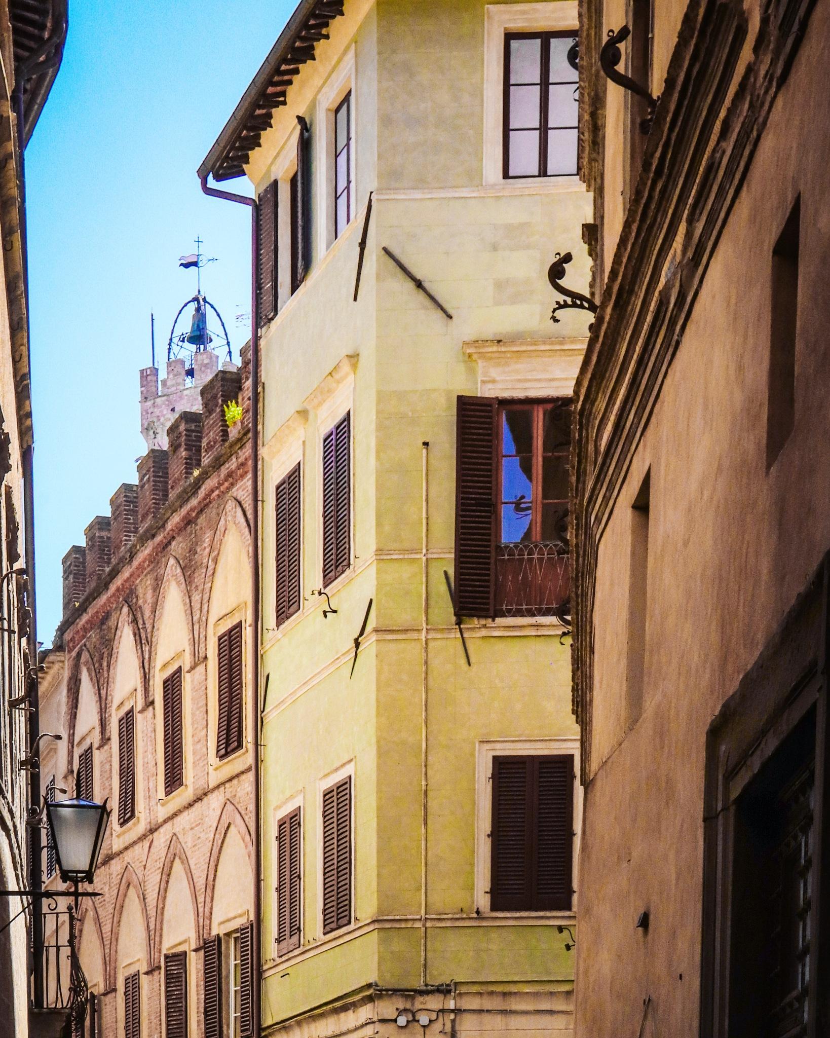 Old houses by Vanessa Schweiger
