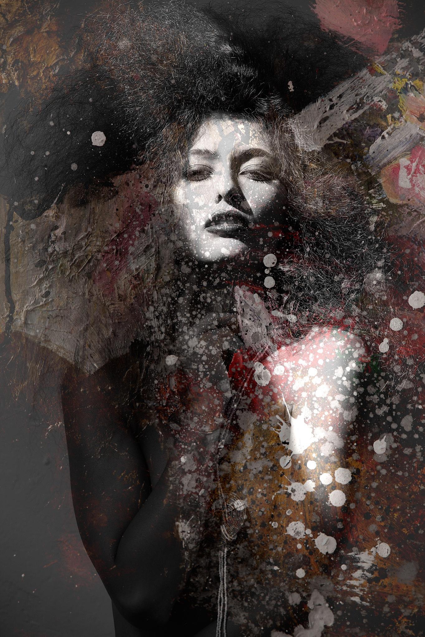Evanescence by Tomasz Tomkowiak