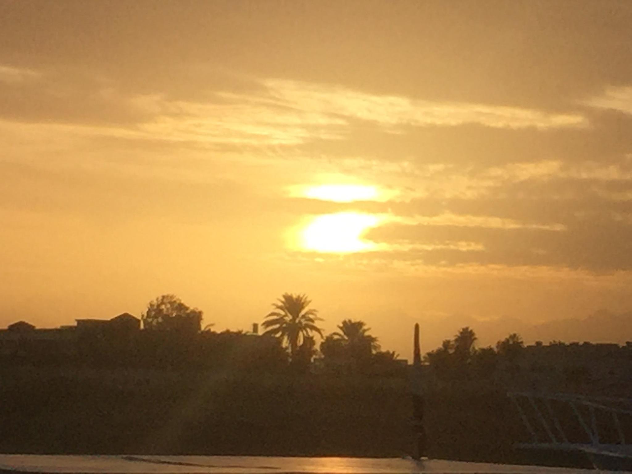Sonnenuntergang in Hurghada  by Daniel schaefer