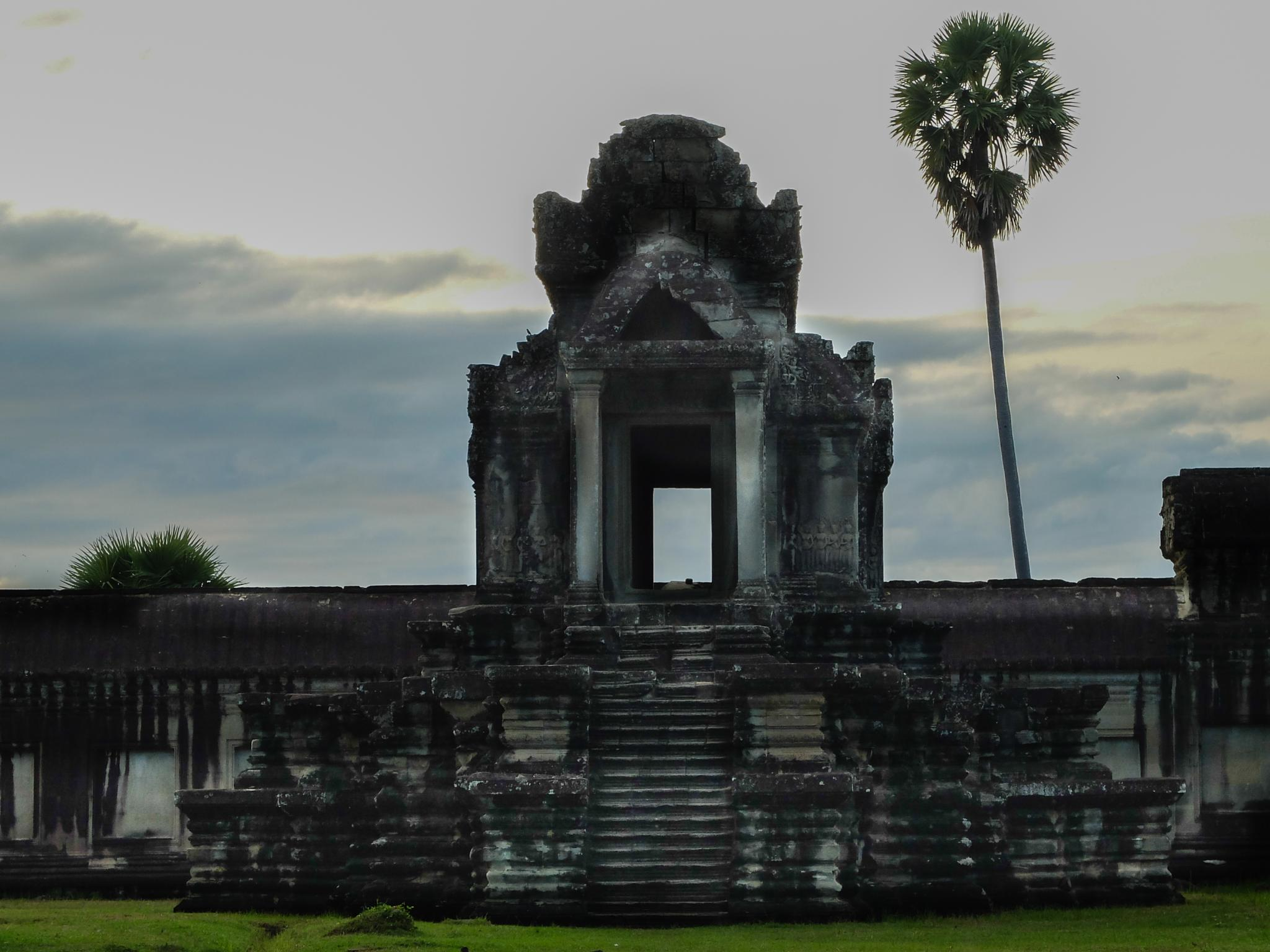 Angkor Wat #1 by hafiz