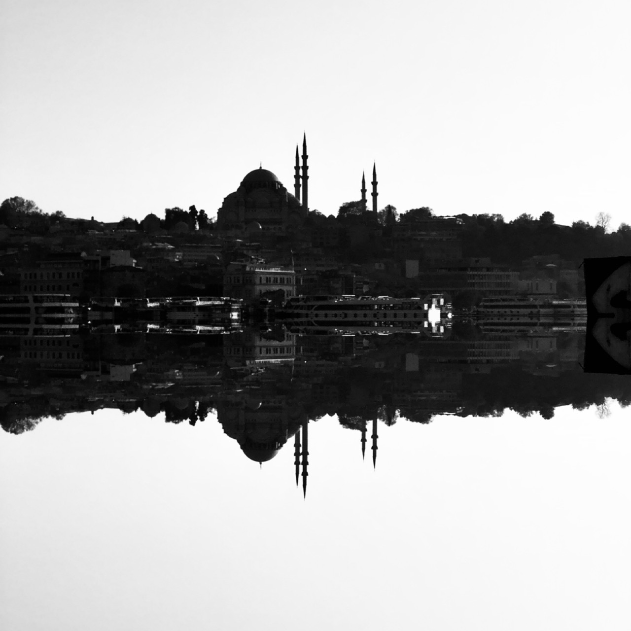 Istanbul by Yiğitcan Güller