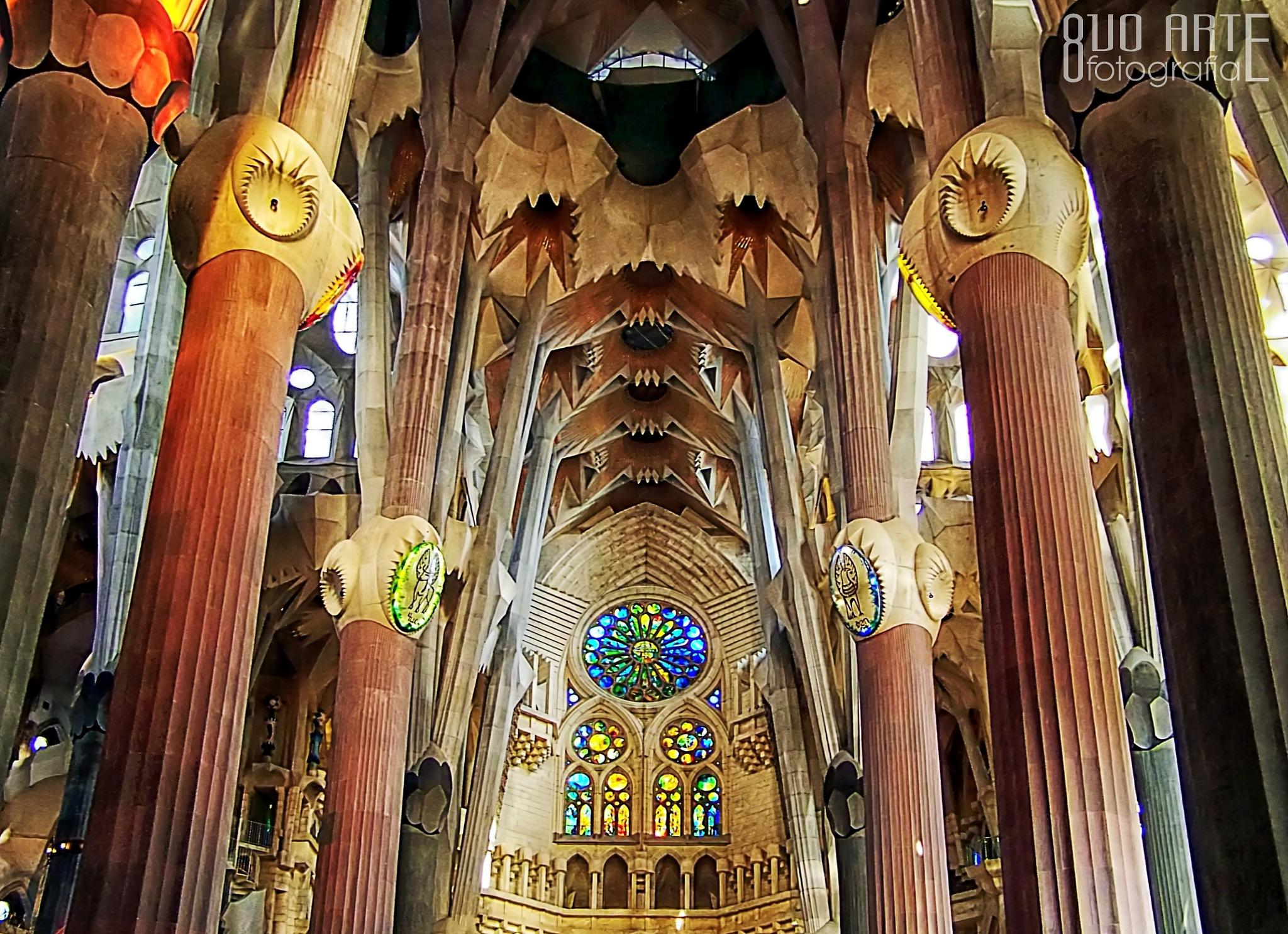 Templo Expiatorio de la Sagrada Familia [Vista interior I] [Indoor view I] by 8vo Arte Fotografia