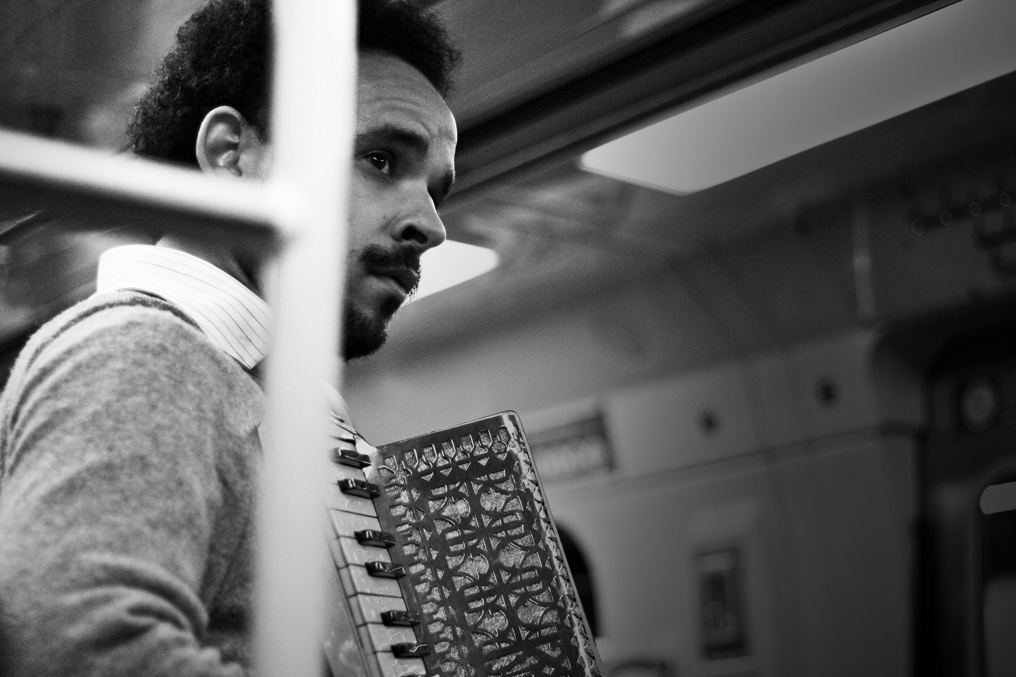 Música no cotidiano by Gabriel Maion Foz