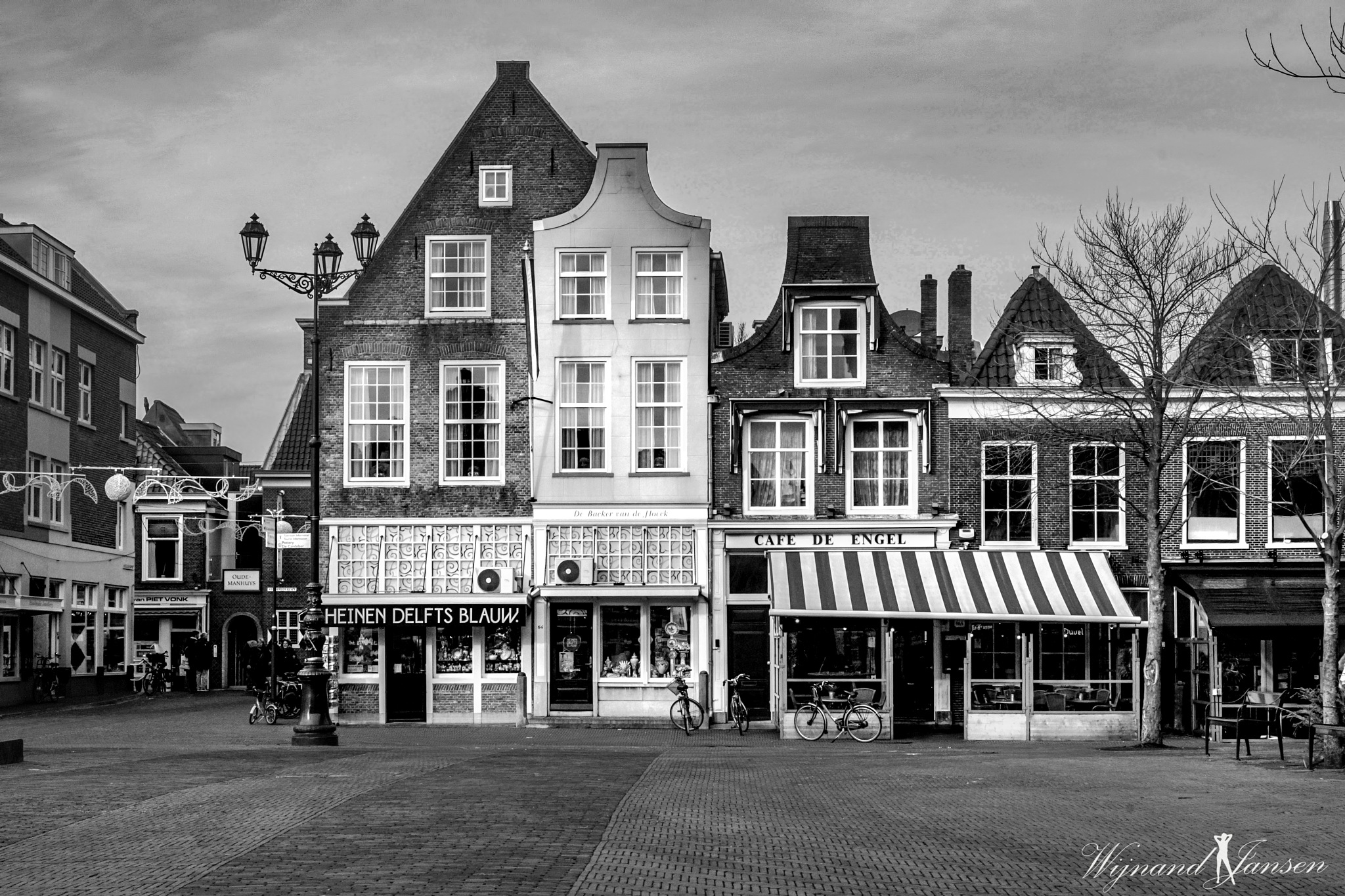 The market in Delft by Wijnand Jansen