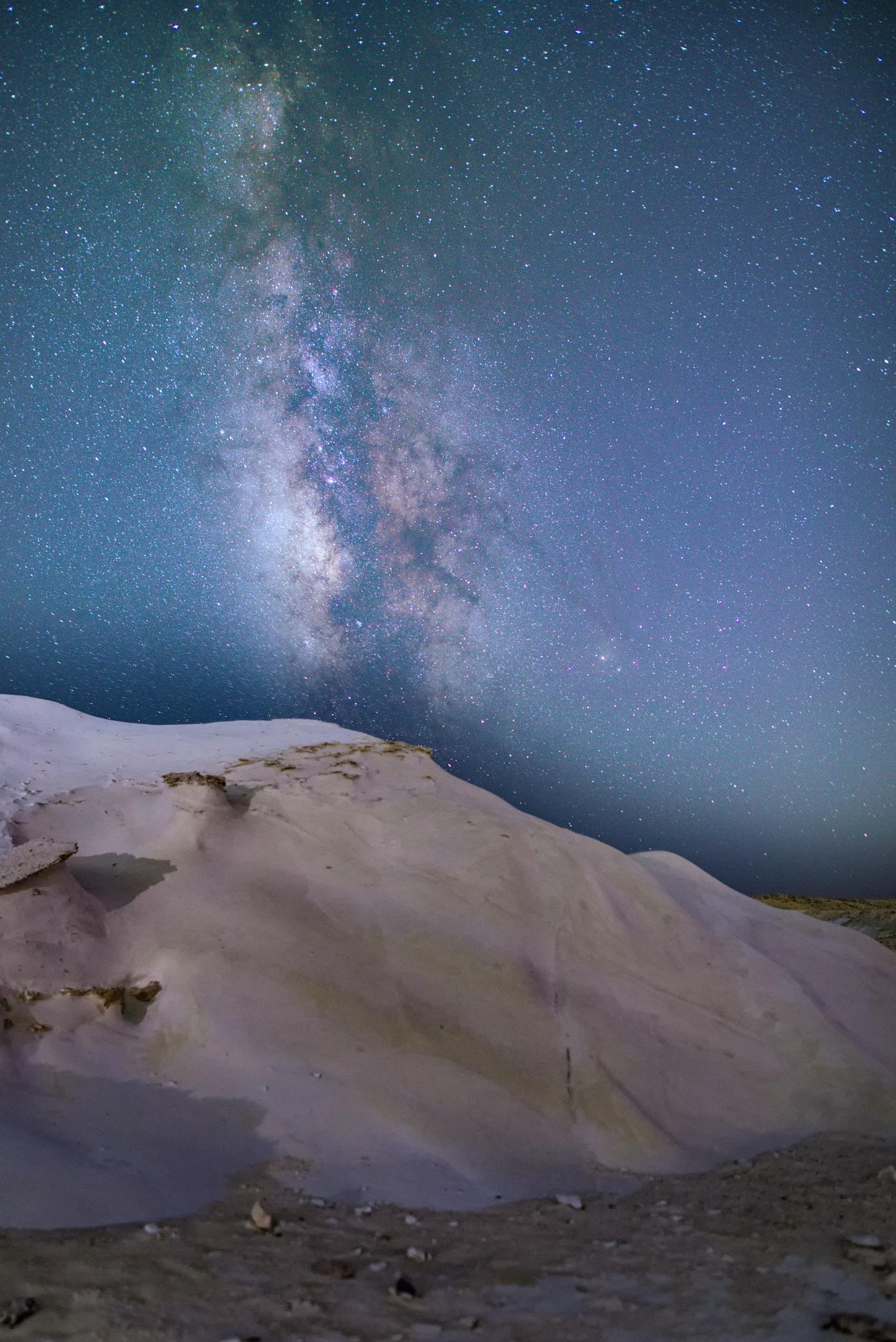Milky rock by Zakie Mashiah צחי משיח