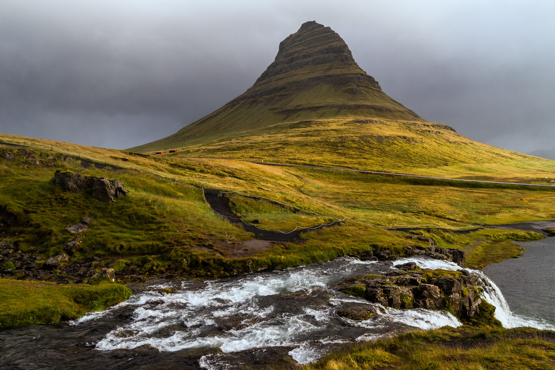 Kirkjufell by Cezary Morga