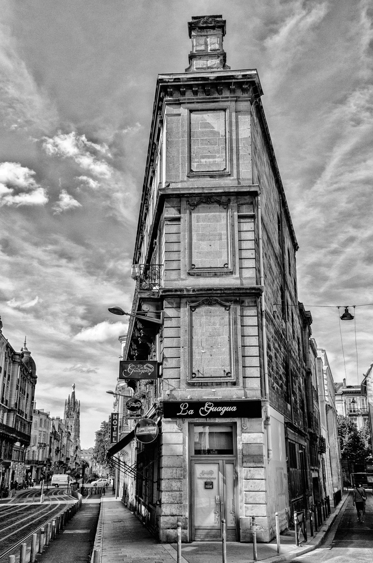 House by Vincent Hanson