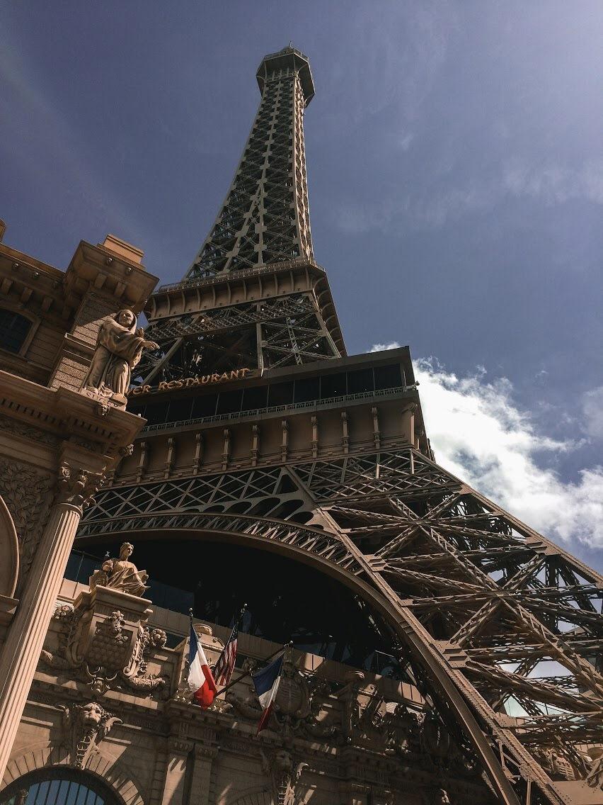 Las Vegas by Veronika Veseleniova