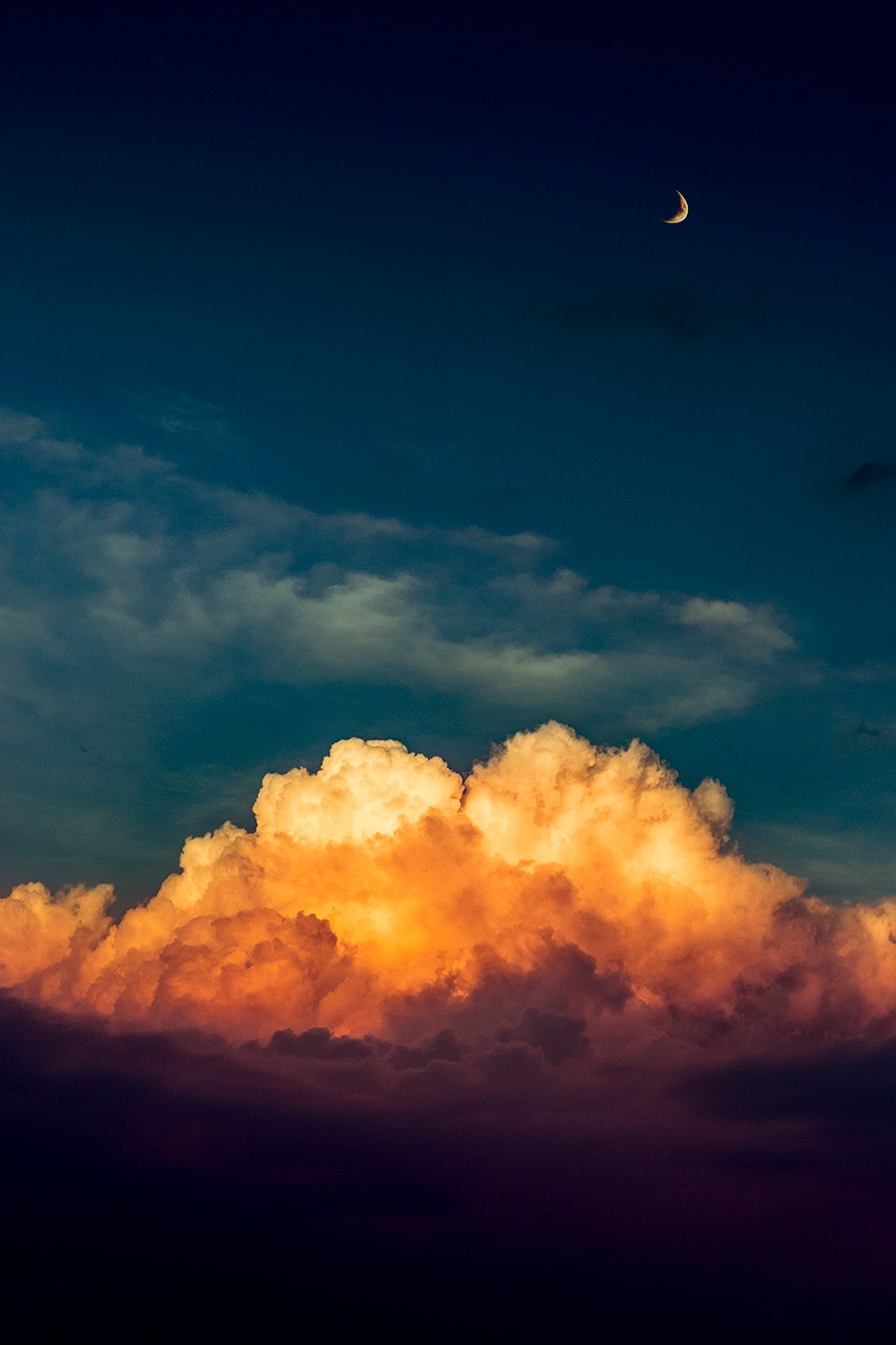 Mountains of clouds by Marc Sendra