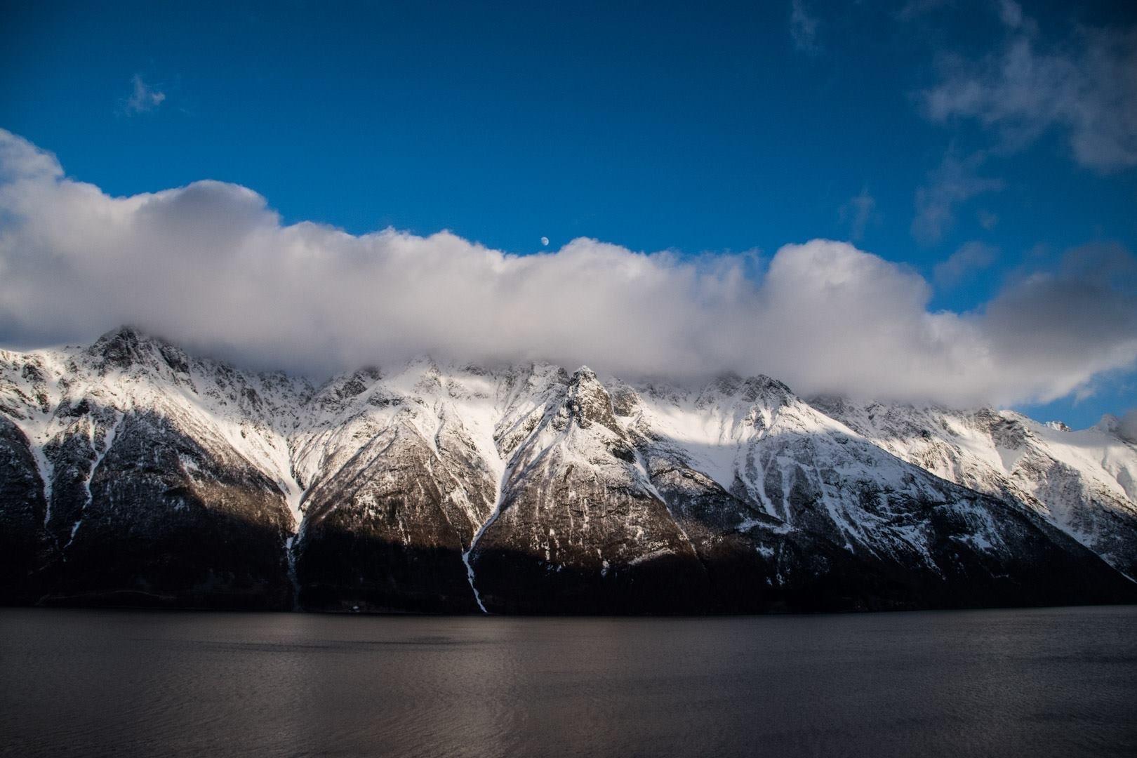 Hjørundfjord by SimenHenryHollanderBarstad
