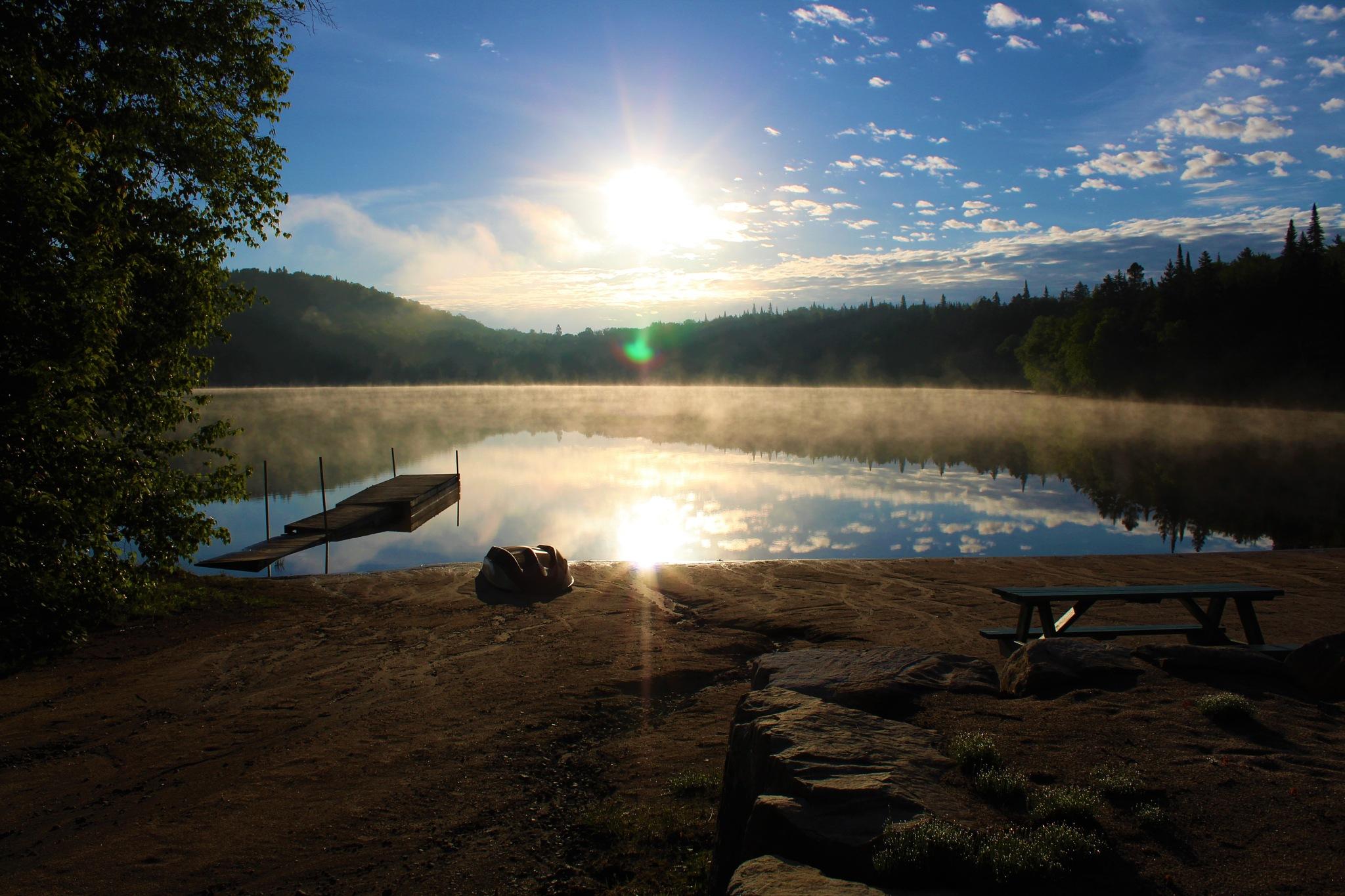 Un lever de soleil pour garder espoir by Vert Le Voyage
