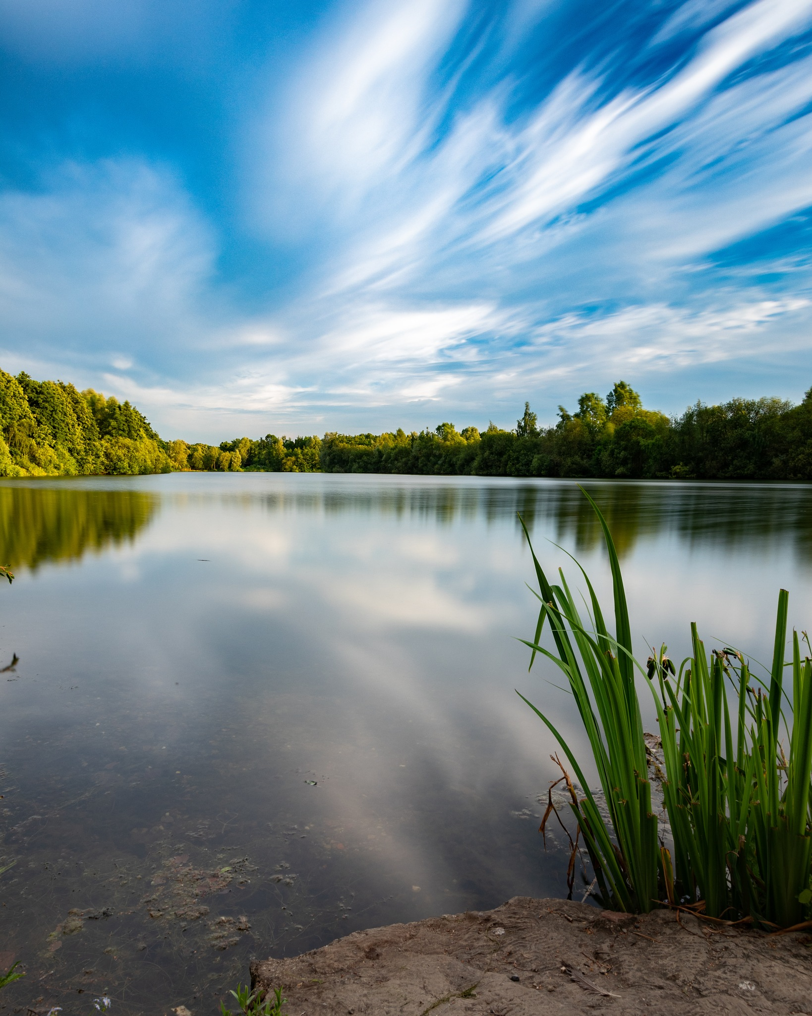 the lake by Thierry Royls