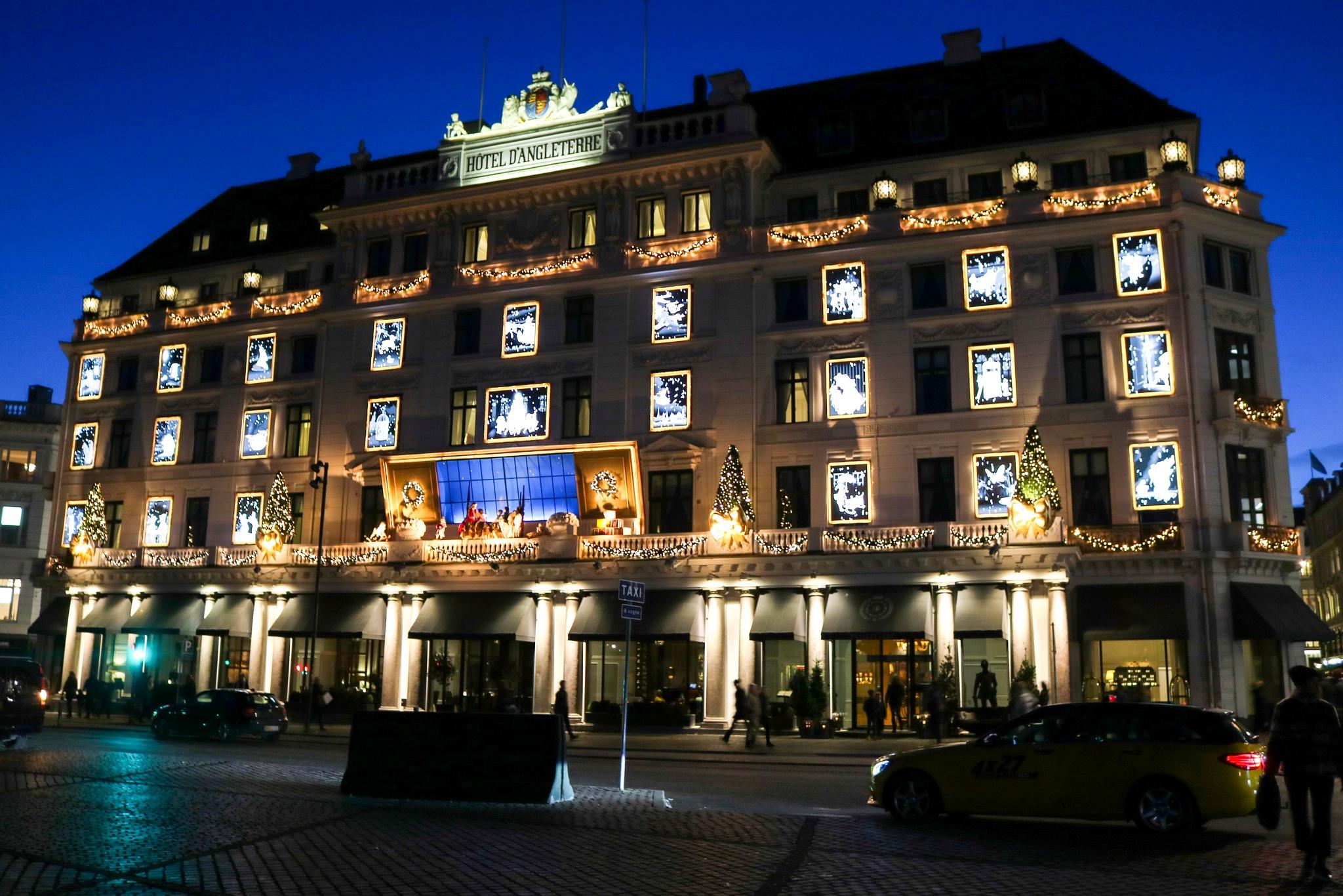 Hotel  by Ivan Samoshko