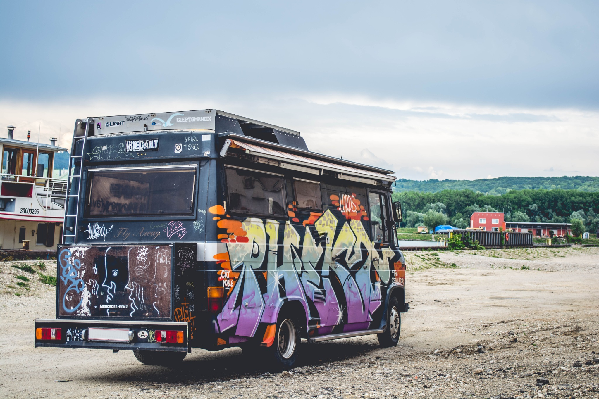 dope bus by fotografierende