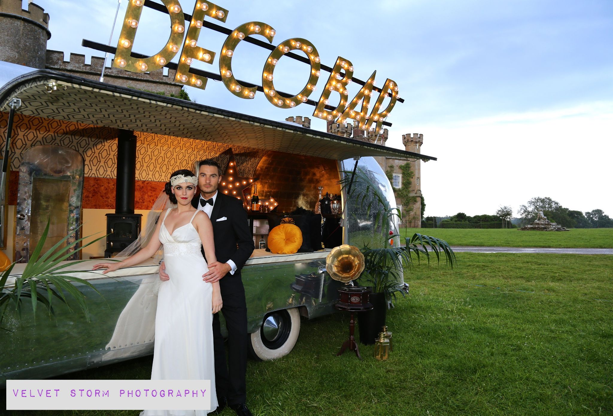 1920s Themed Photo shoot - Wedding Feature  by velvet storm photography