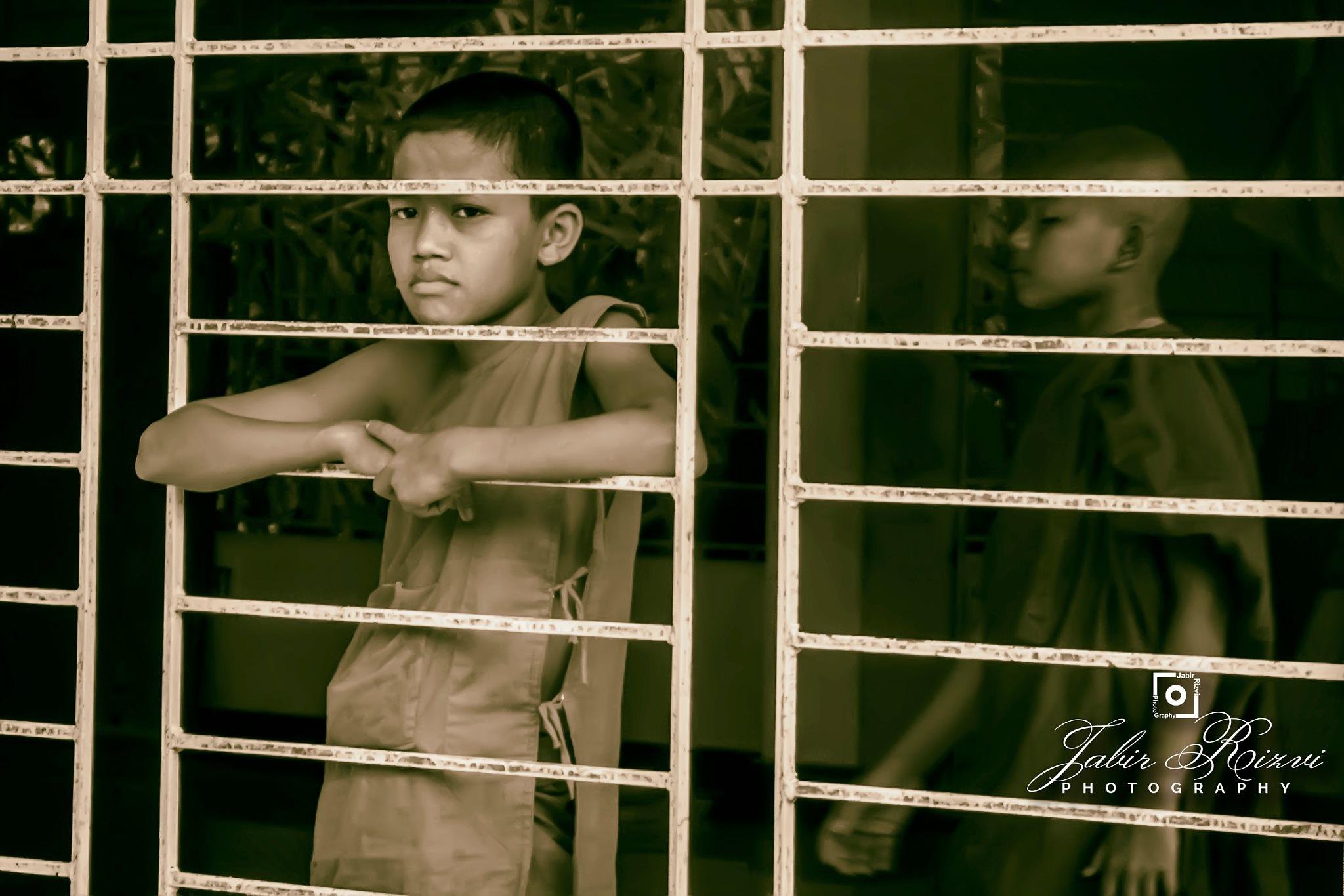 Photo in Black and White #jabirrizvi #jabirrizviphotography #bangladesh #nikon #nikond7200 #nikon18-55mmkit #monk #life #candid #b&h #blackandwhite #lifestyle #grownup #child #ramu #cox'sbazar #pagoda #buddhist