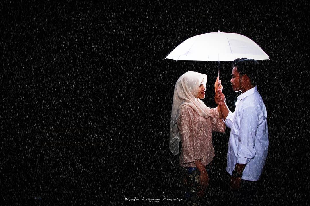 Love Under Rainy Nights by Yosefa Iriana Prasetyo