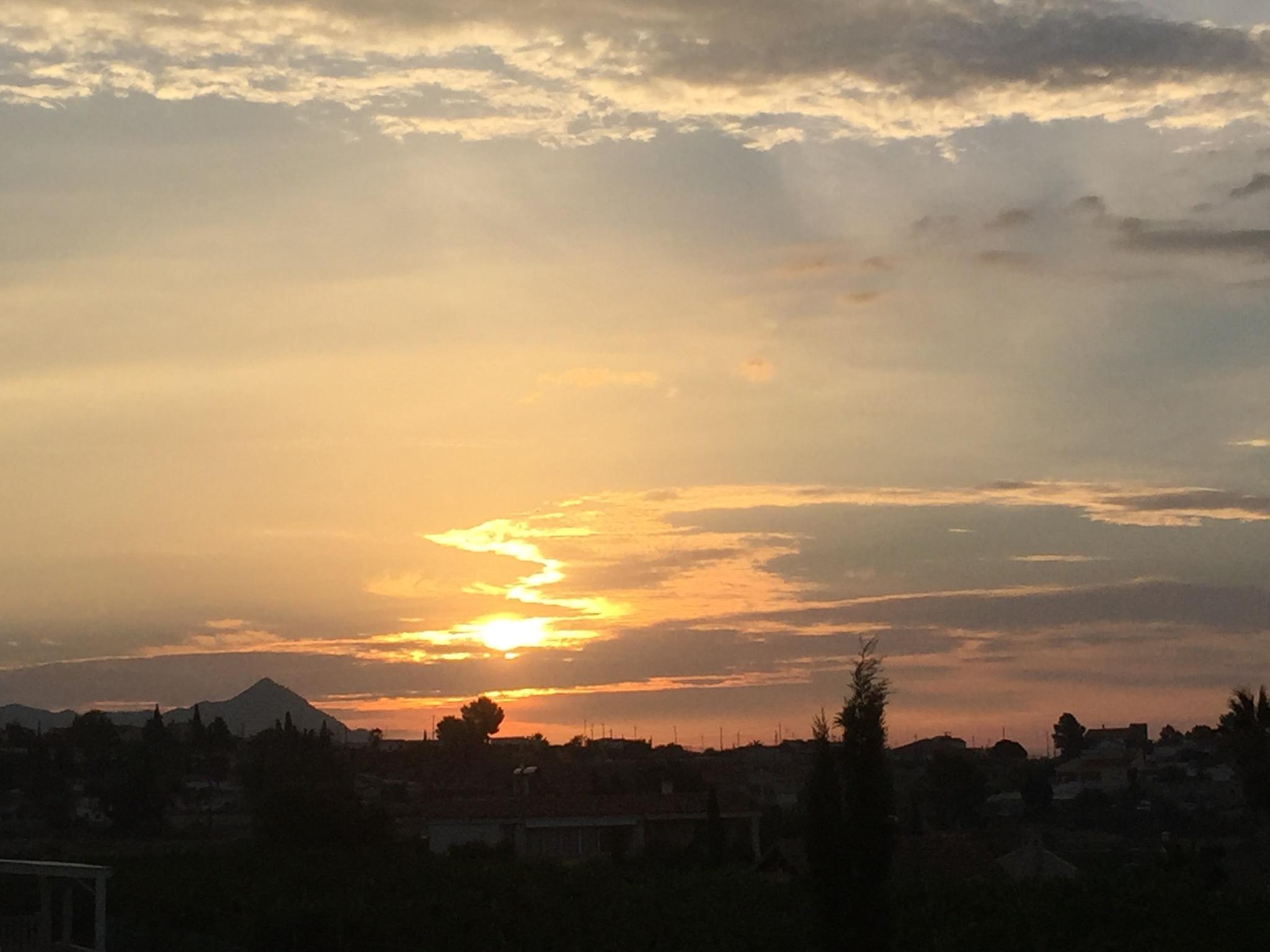 Good morning beautiful world  by NicoleHardy