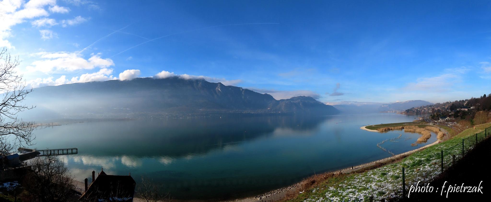 Magnifique lac by François PIETRZAK