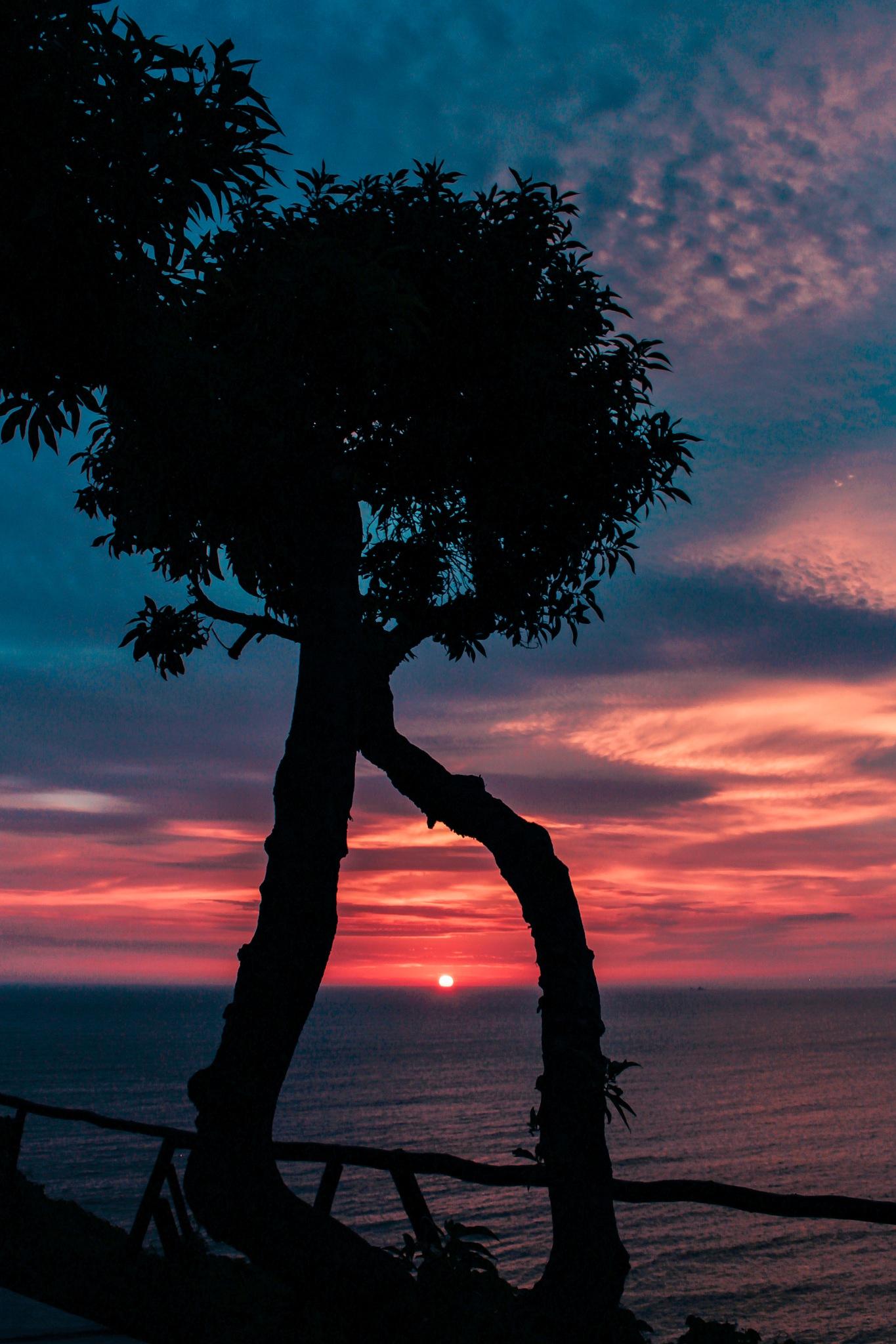 Sunset by Roberto Alarcón Jara