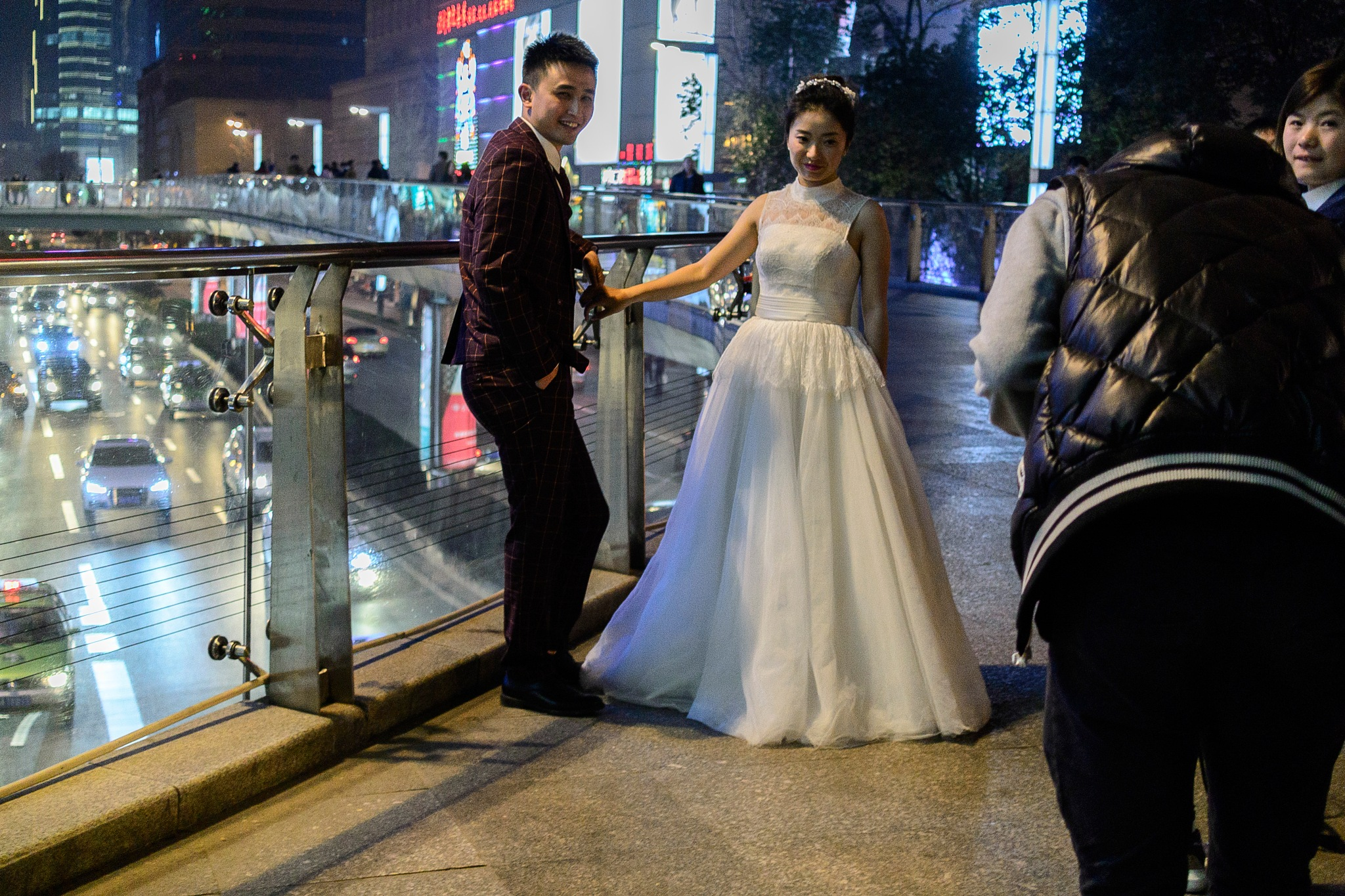 Frustrating a wedding photographer in Chengdu  by JonArneFoss