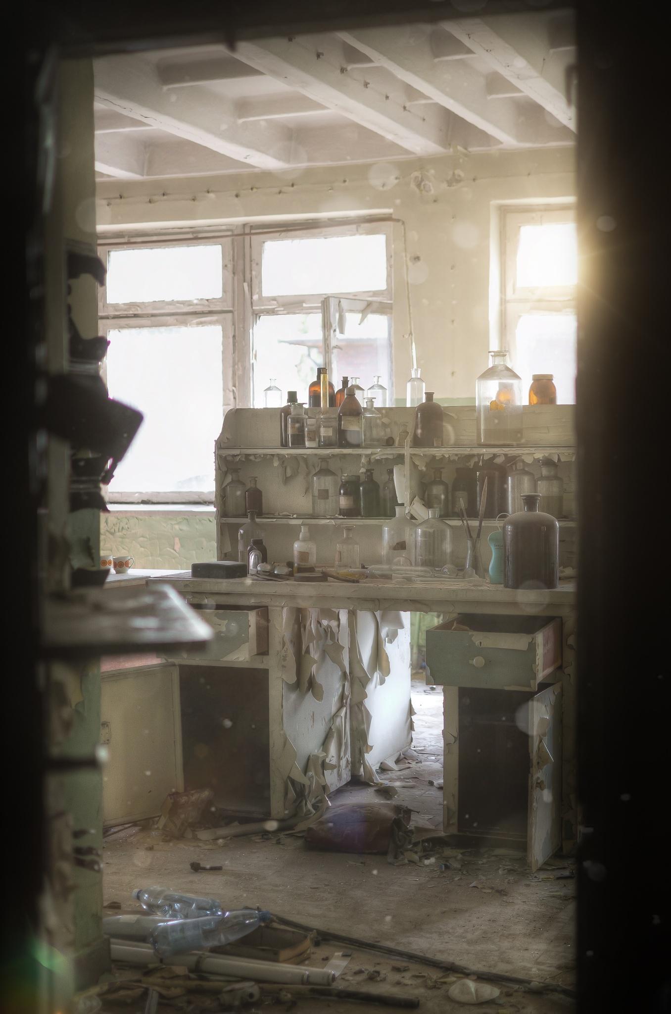 Sun in the lab by Karol Tuśnio