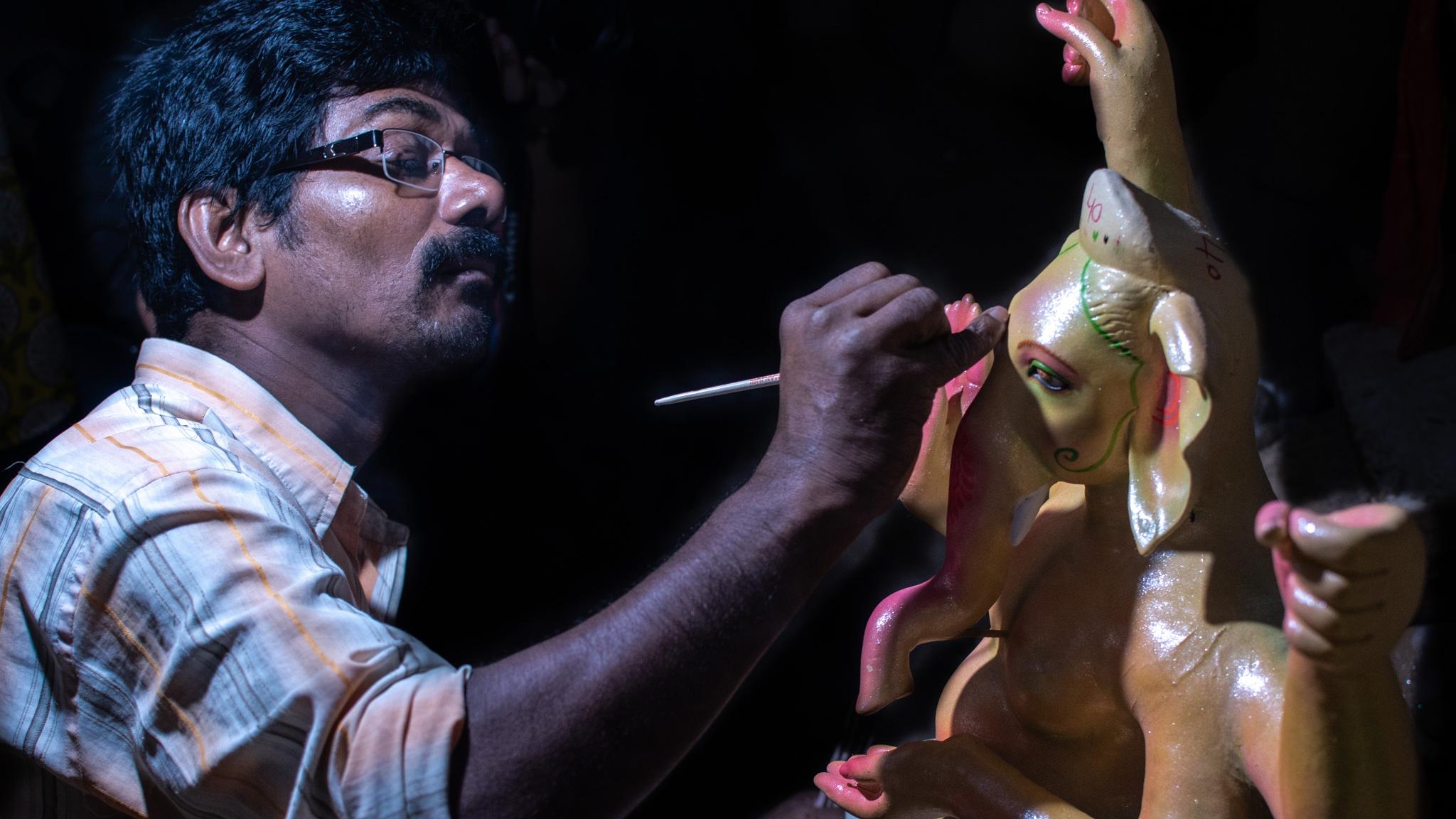 Decorating Ganesha Idol by Bhuwan Jain