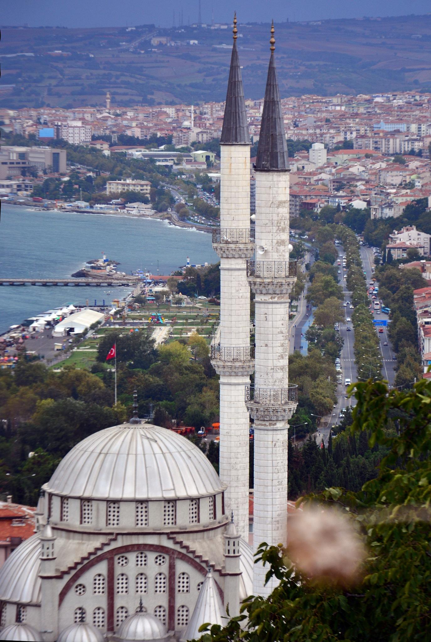 Mosque by Kivanc