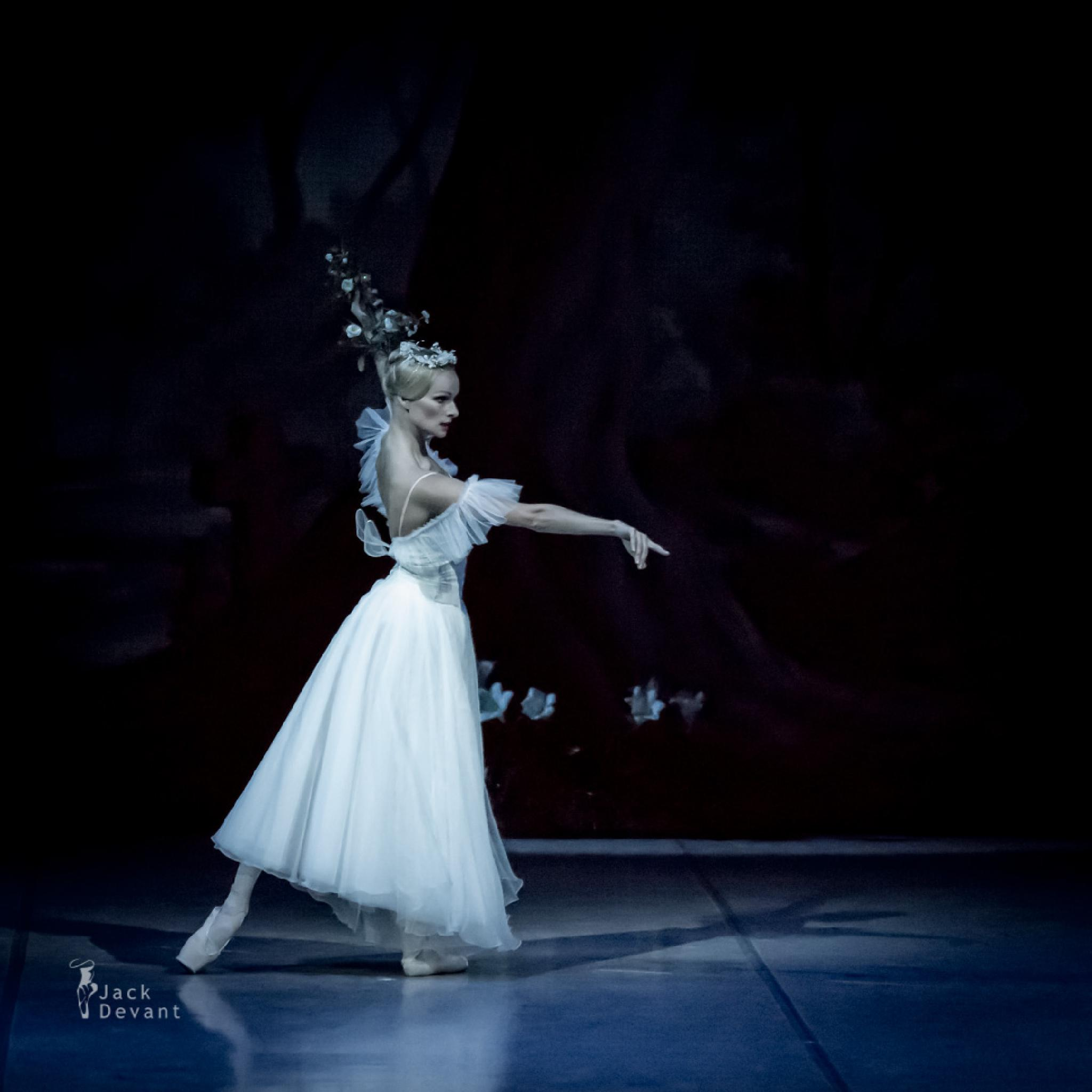 Ekaterina Borchenko as Myrtha in Giselle by Jack Devant