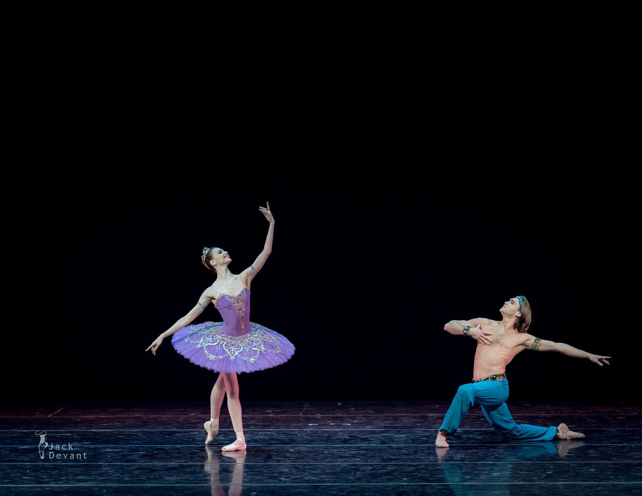 Svetlana Zakharova and Mikhail Lobukhin in Le Corsaire by Jack Devant