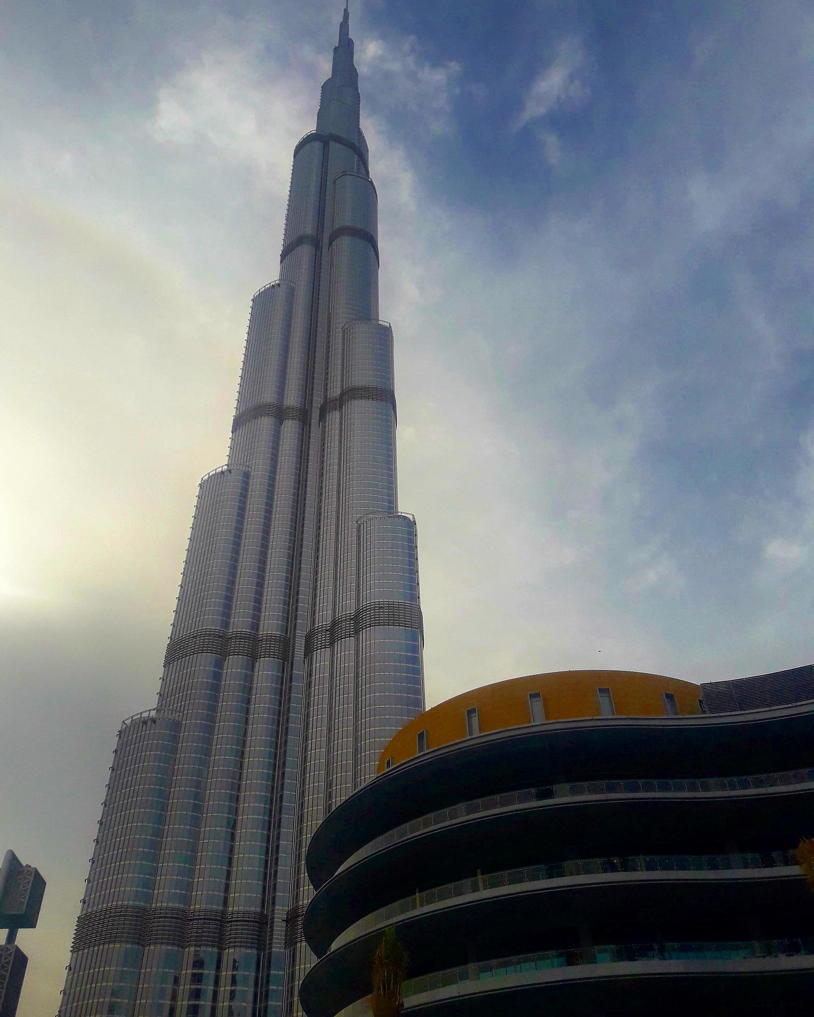 Burj Khalifa at Dubai  by Judo Banerjee