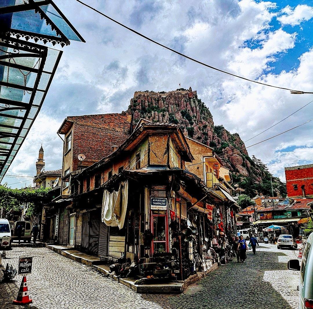 Street has spirit. by Ramazan Özer