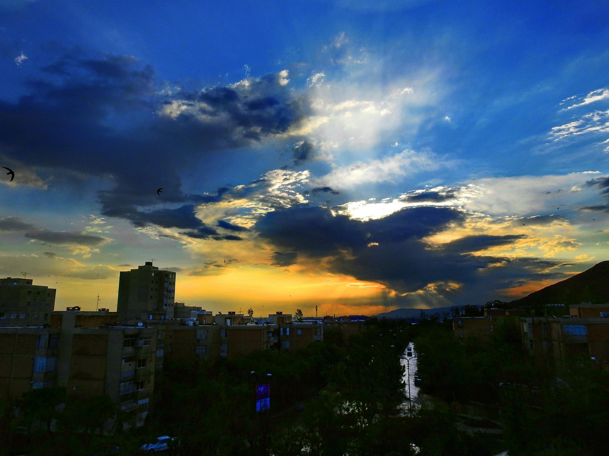 sunrise by Aahmad Hezavei