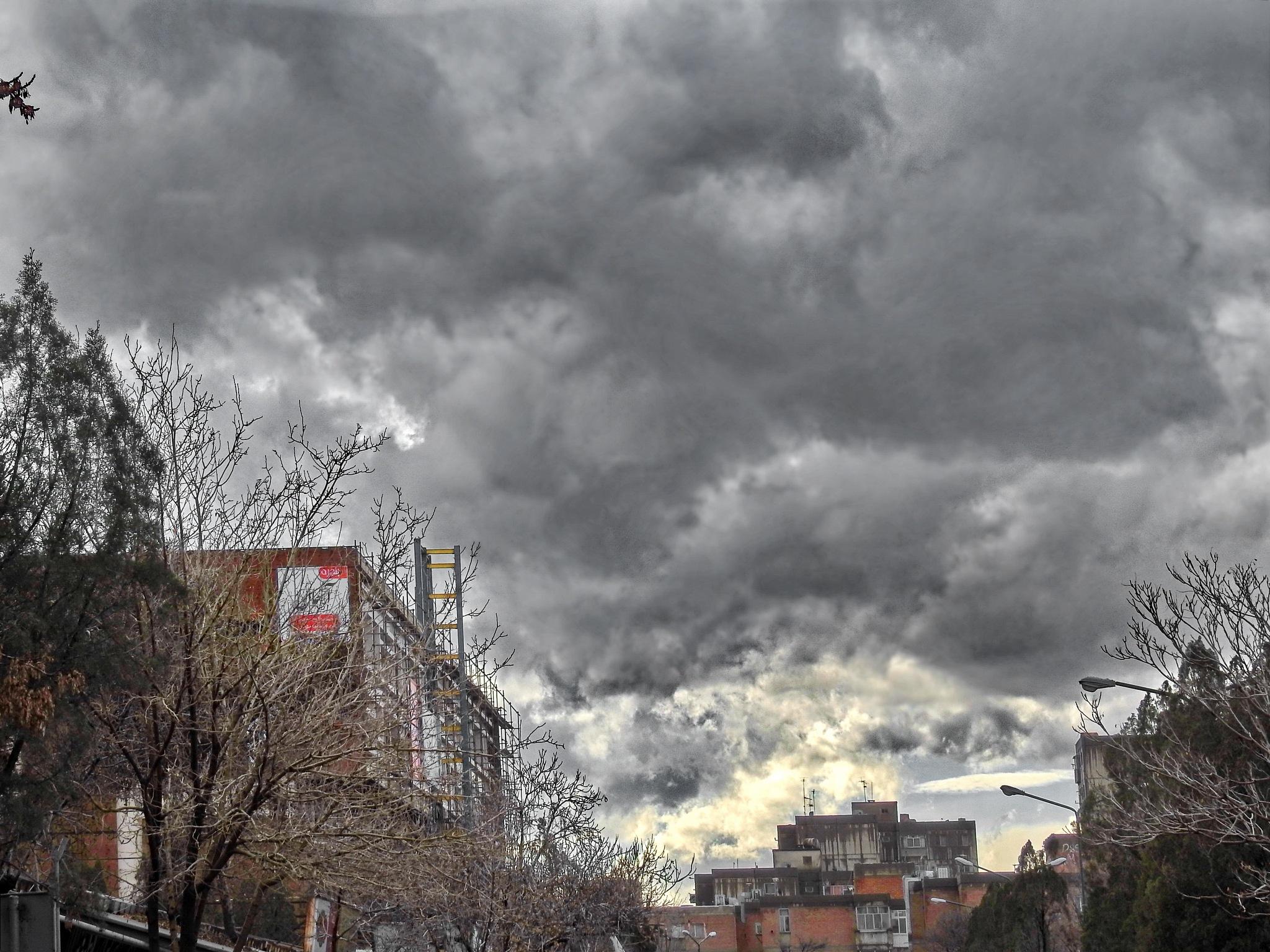 Cloudy by Aahmad Hezavei