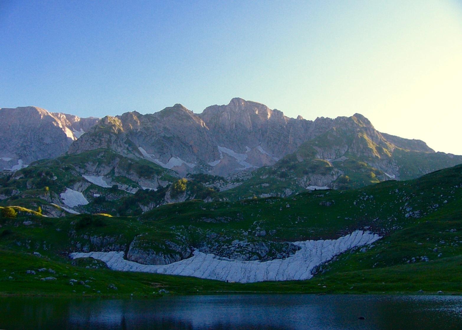 Mount Oshten and Psenodah lake in 2007. Smiles to you) by Egor Koshkin