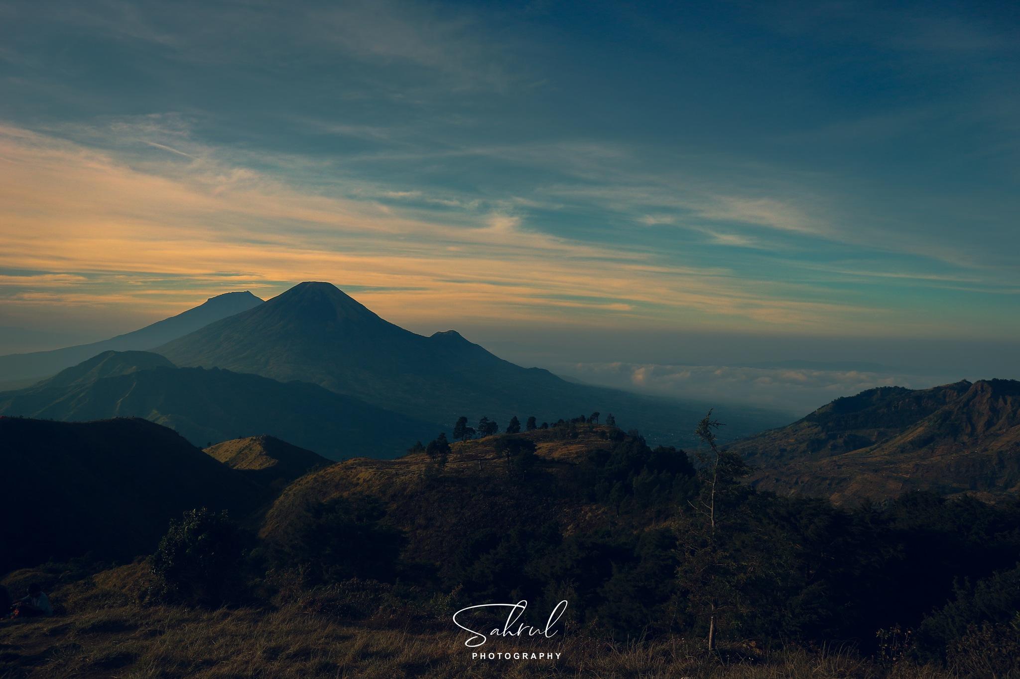 prau mountain by sahrul panji