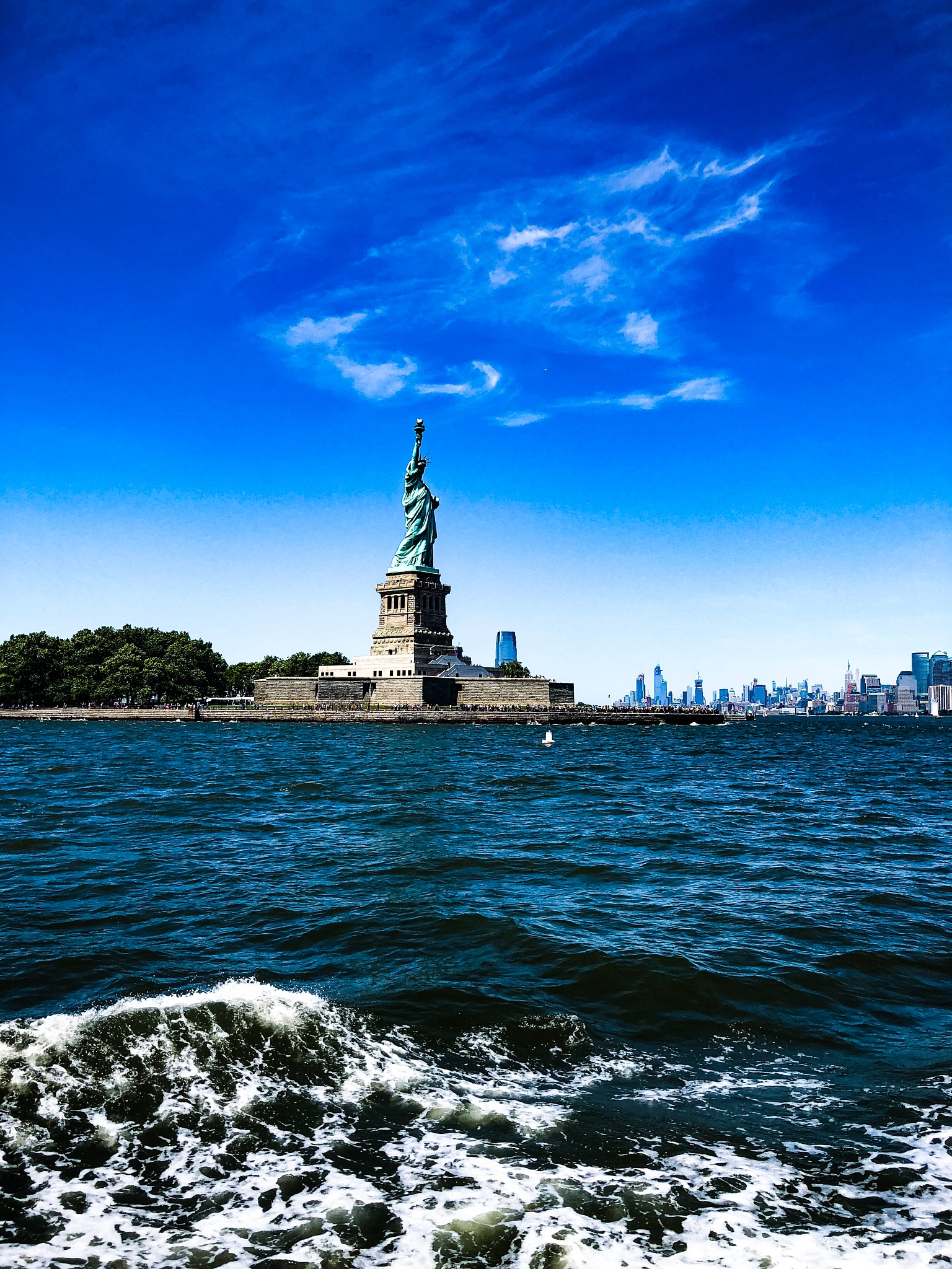 The Statue of Liberty by expedition.lenses