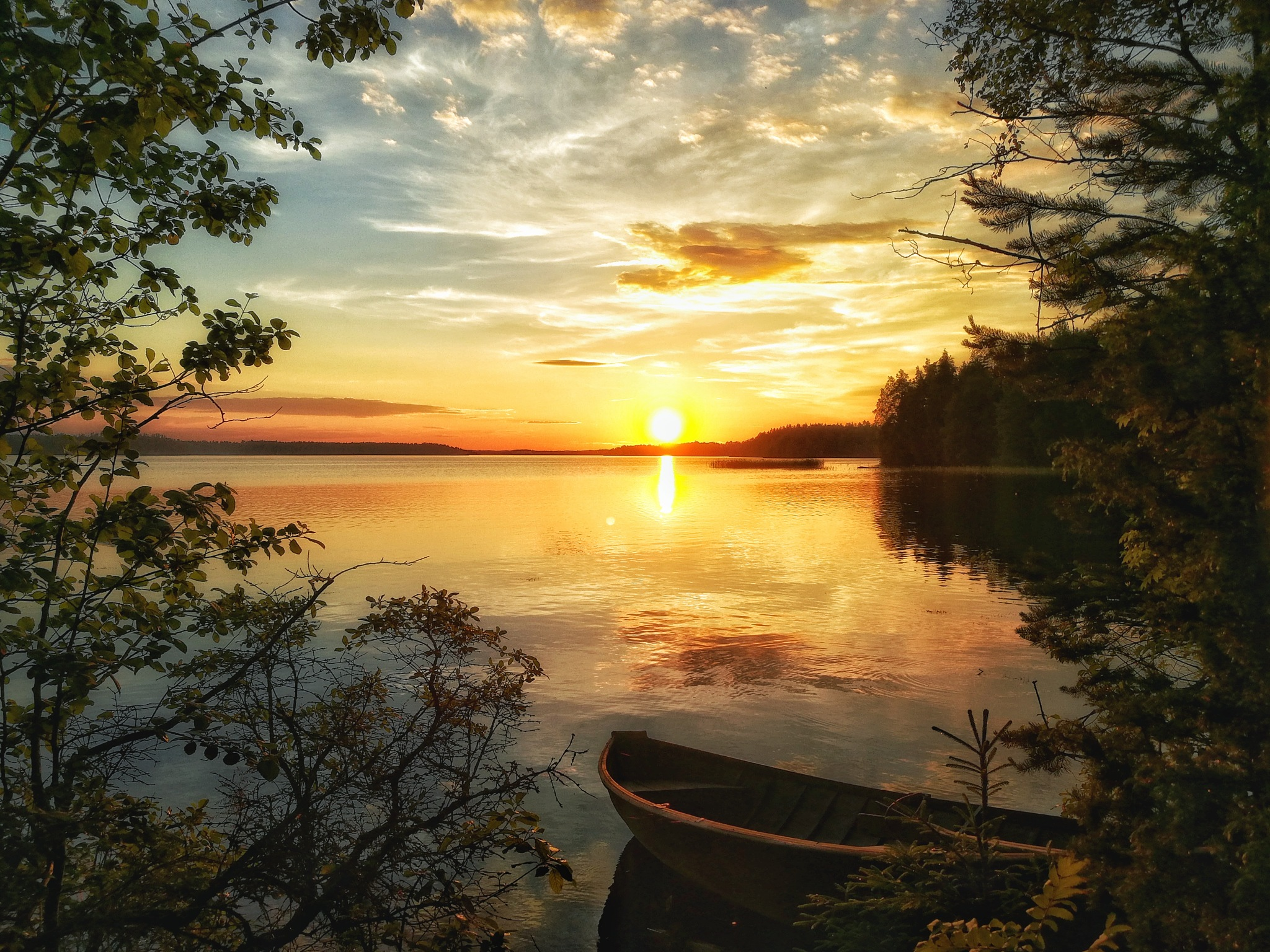 Sundown by lake Ruotsalainen by Sini Paavonsalo